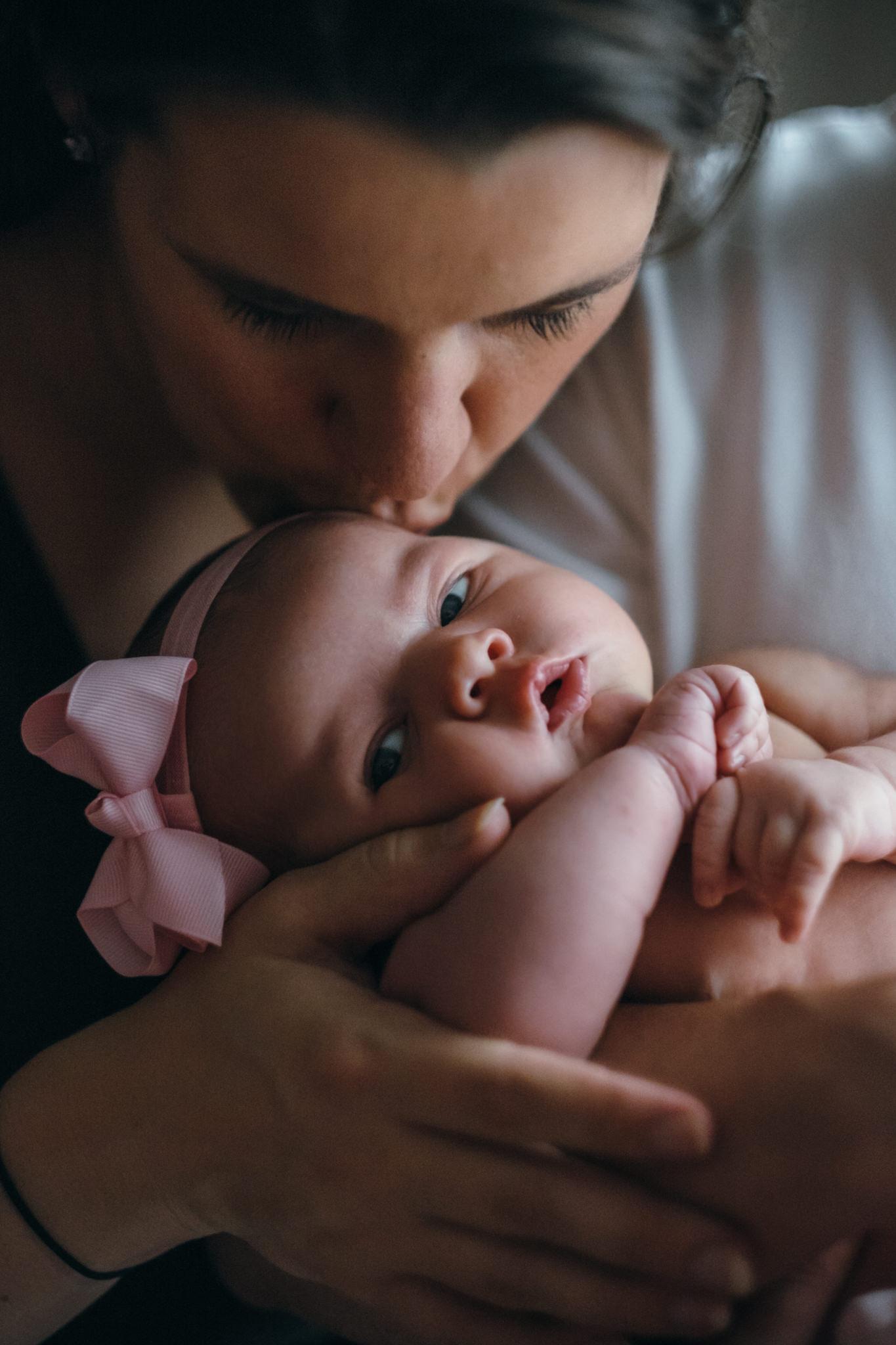 Audrey_Newborn_Blog_007.jpg