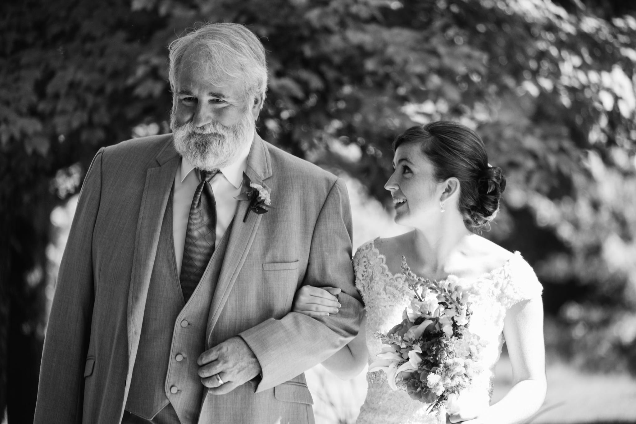 Jennifer&Drew_Wedding_Blog_041.jpg
