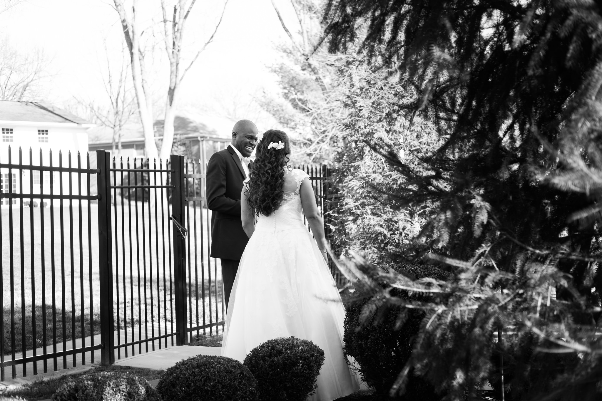 Amanda&Johnathan_Wedding_Blog_0006.jpg