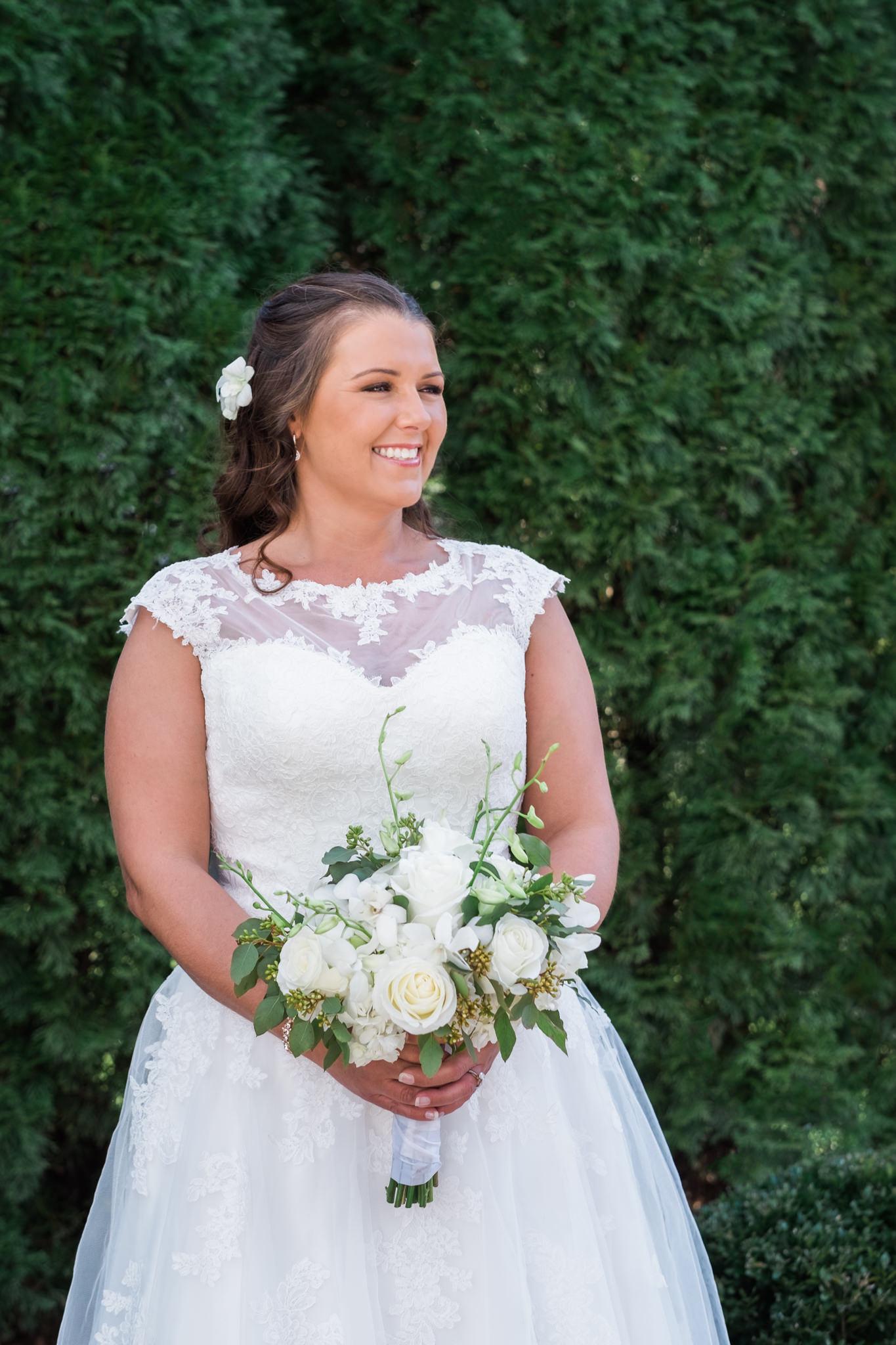 Amanda&Johnathan_Wedding_Blog_0012.jpg