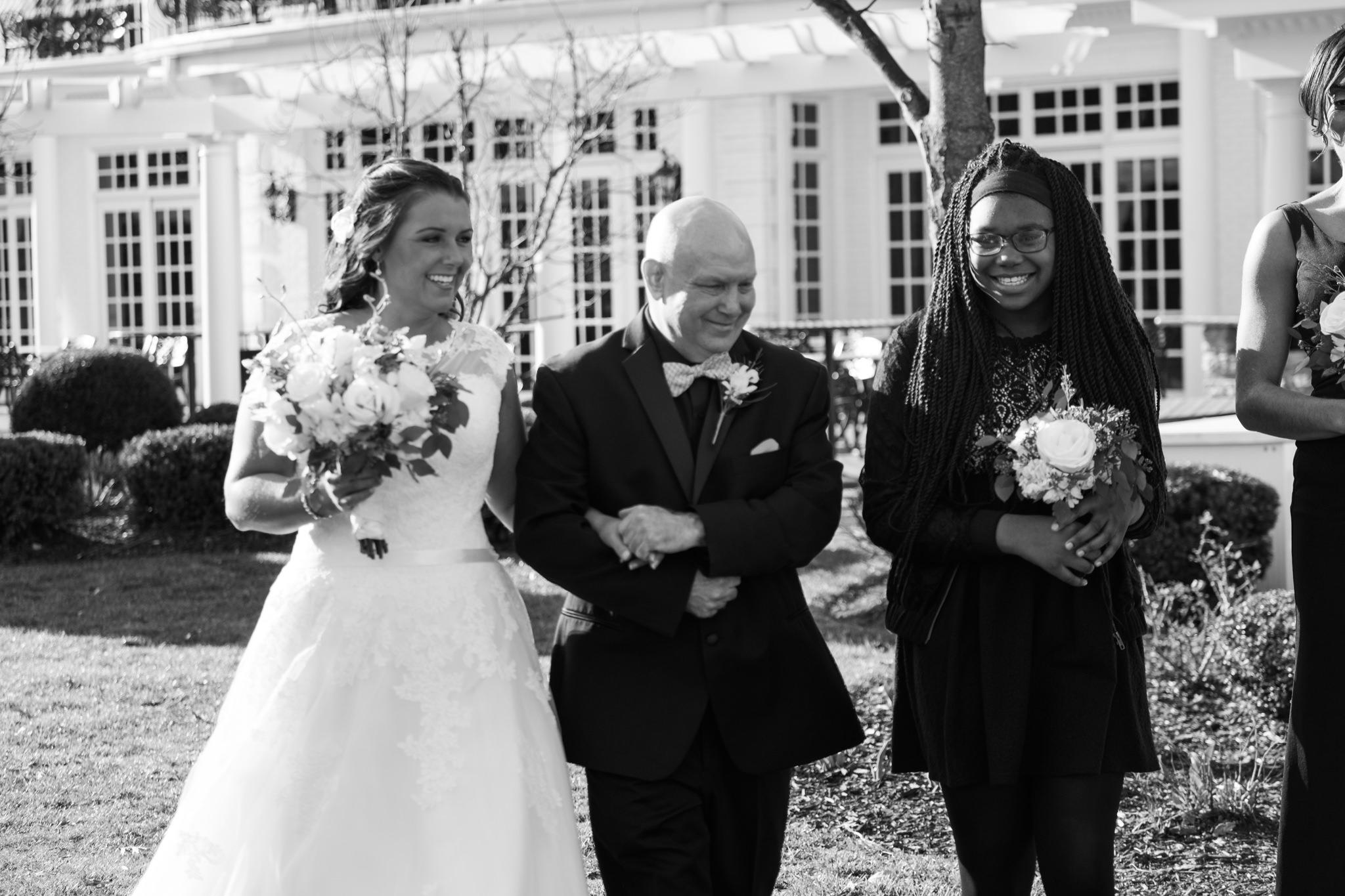 Amanda&Johnathan_Wedding_Blog_0017.jpg