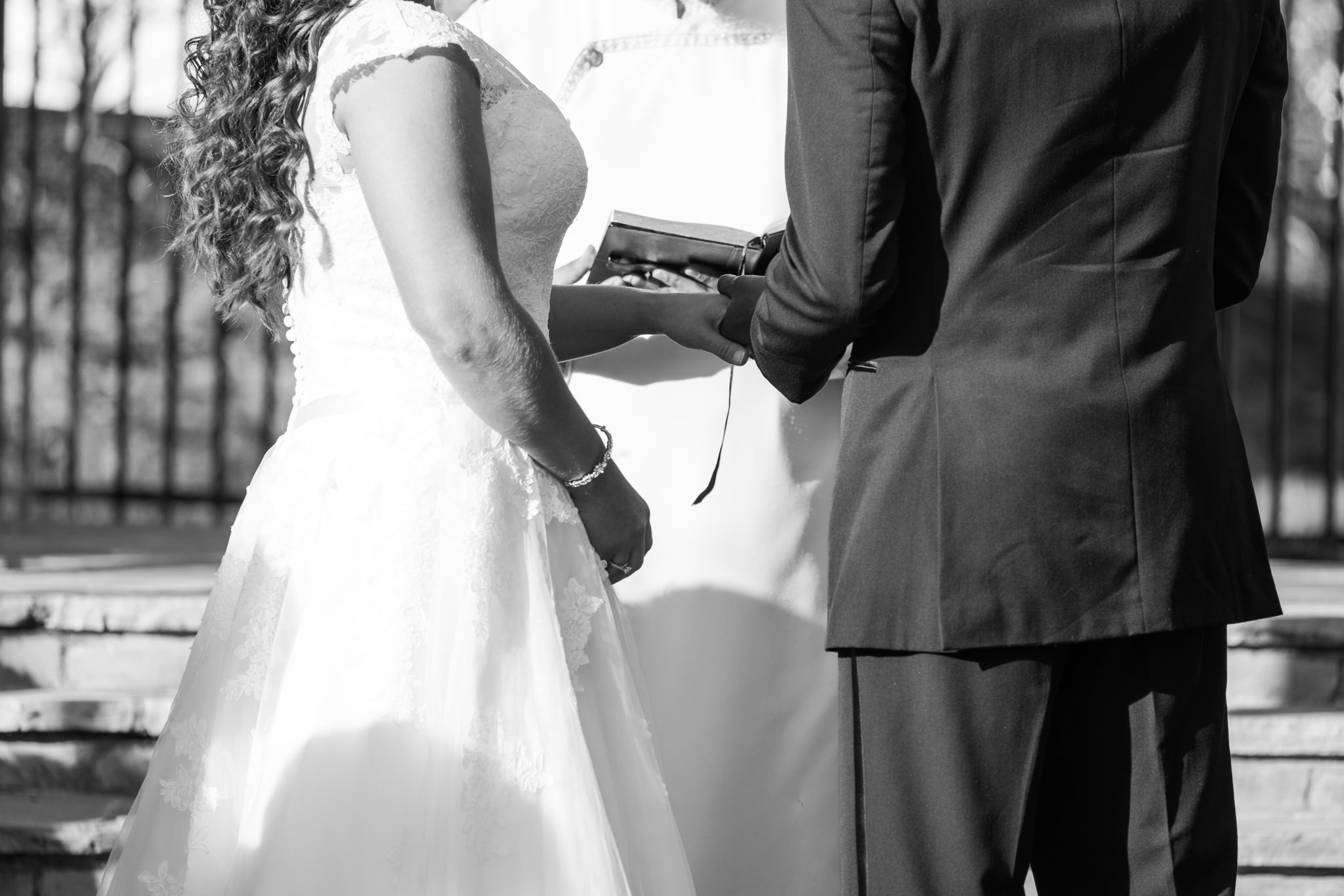 Amanda&Johnathan_Wedding_Blog_0023.jpg
