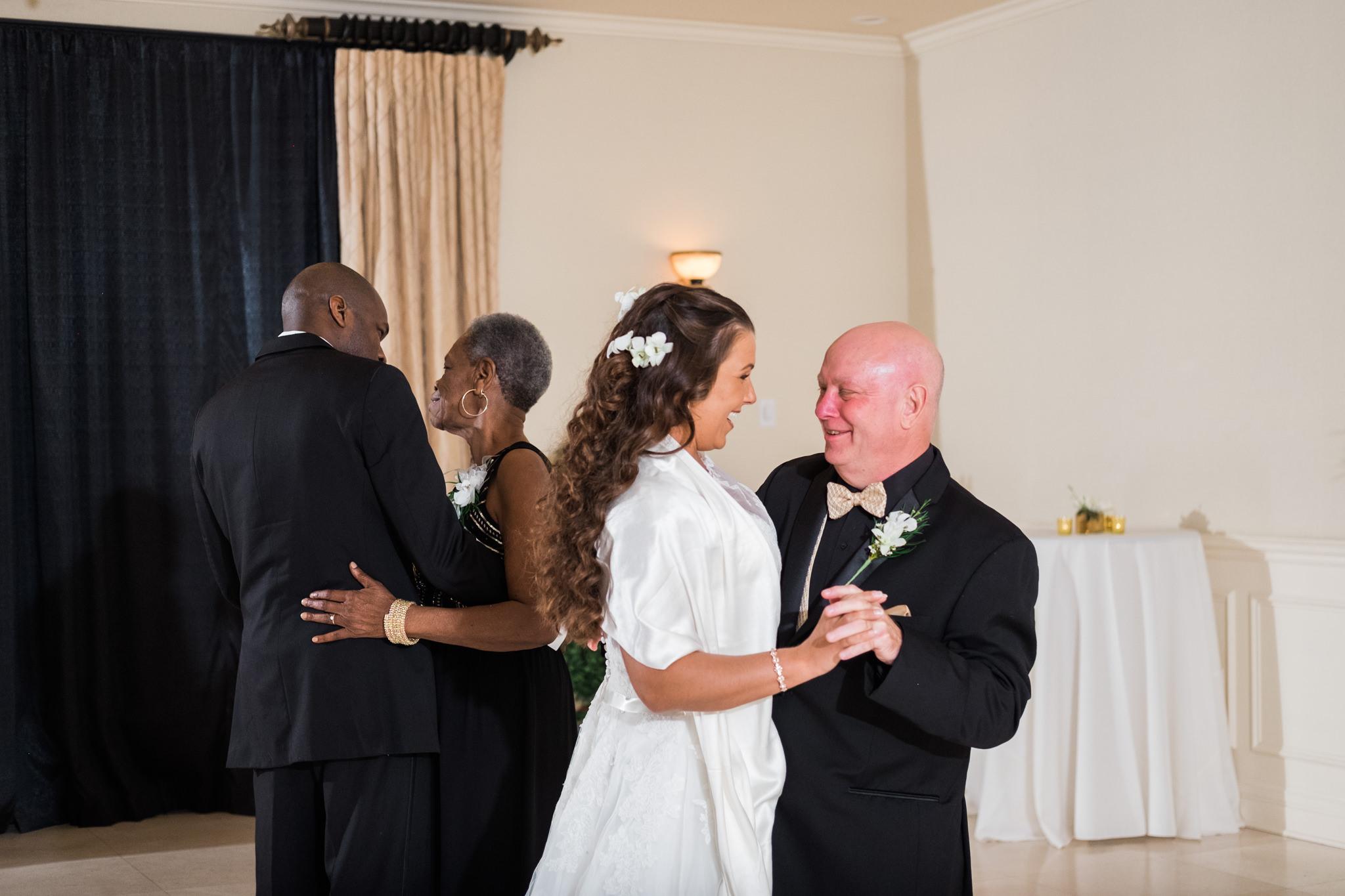 Amanda&Johnathan_Wedding_Blog_0056.jpg