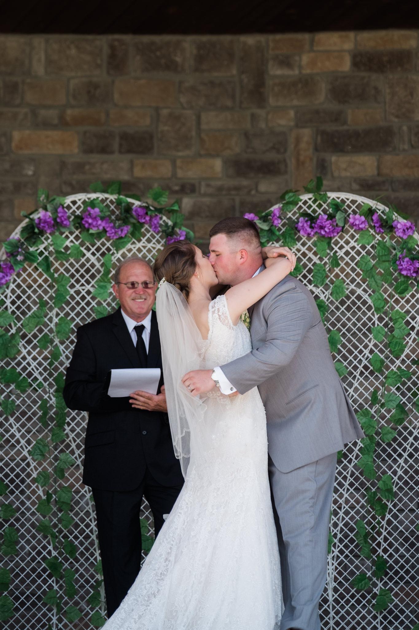 2017.06.03_Callie&Dustin_Wedding_Blog_0023.jpg