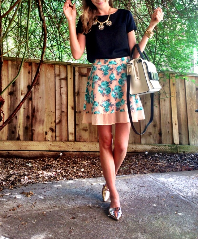 Top; J.Crew Factory. Skirt: Target, Exhilaration. Bag: Kate Spade Kennedy Beau Bridge (Sold Out) via Tjmaxx. Shoes: Chinese Laundry
