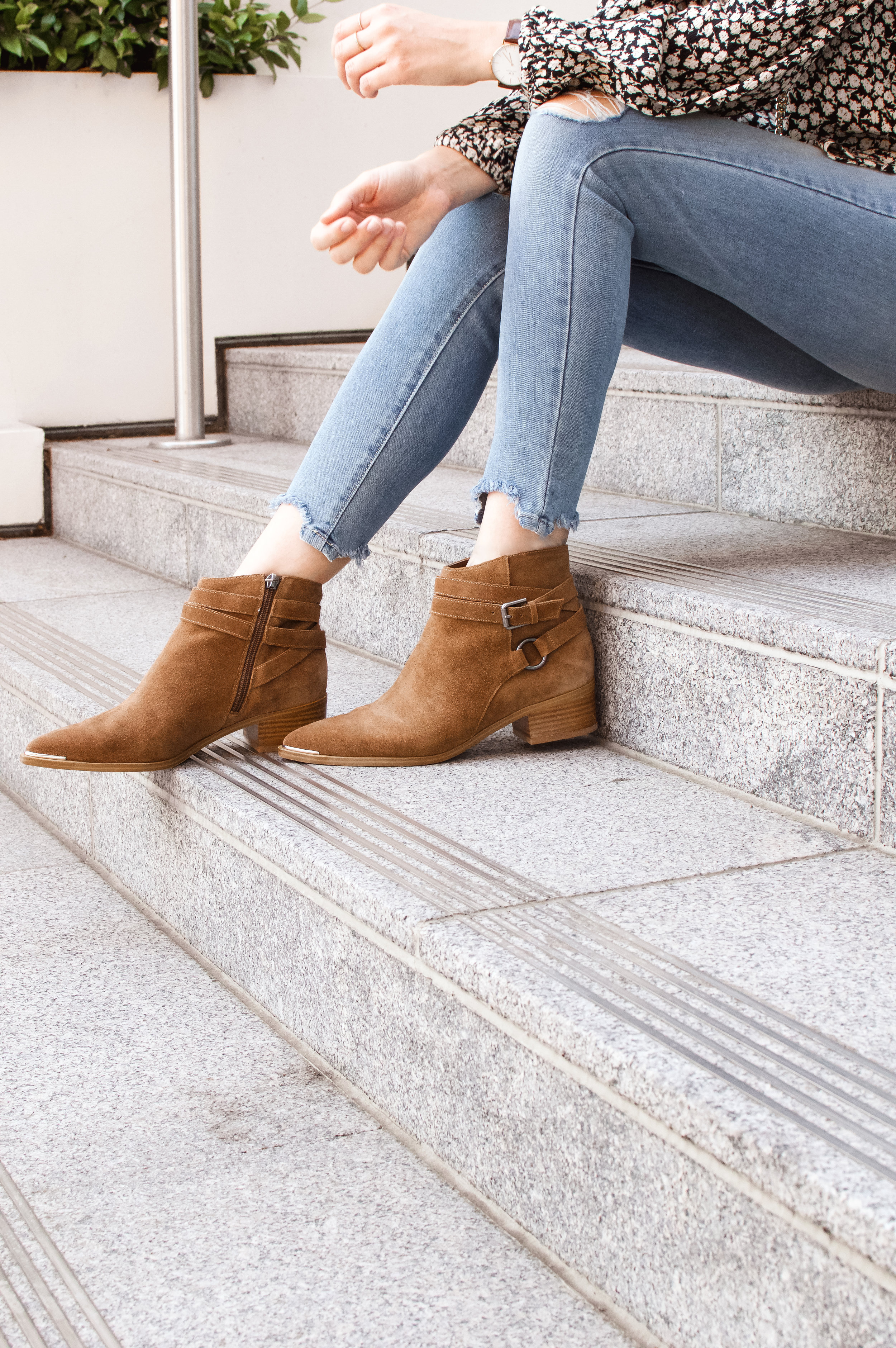 brown ankle boots outfit