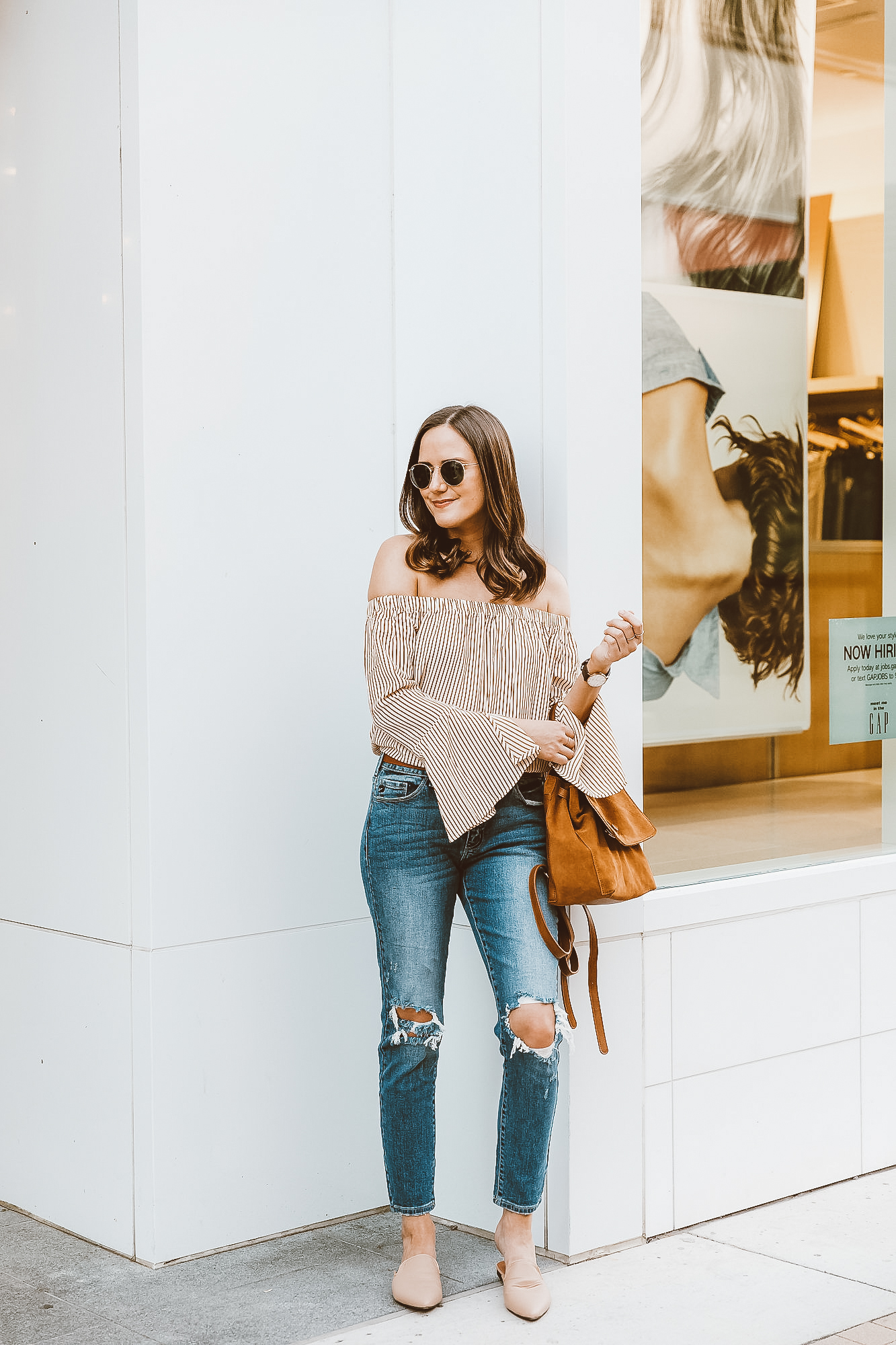 Vici Top  |  Vici Jeans  |  Vici Backpack  |  Vici Shoes all c/o  Ray-Ban Sunglasses