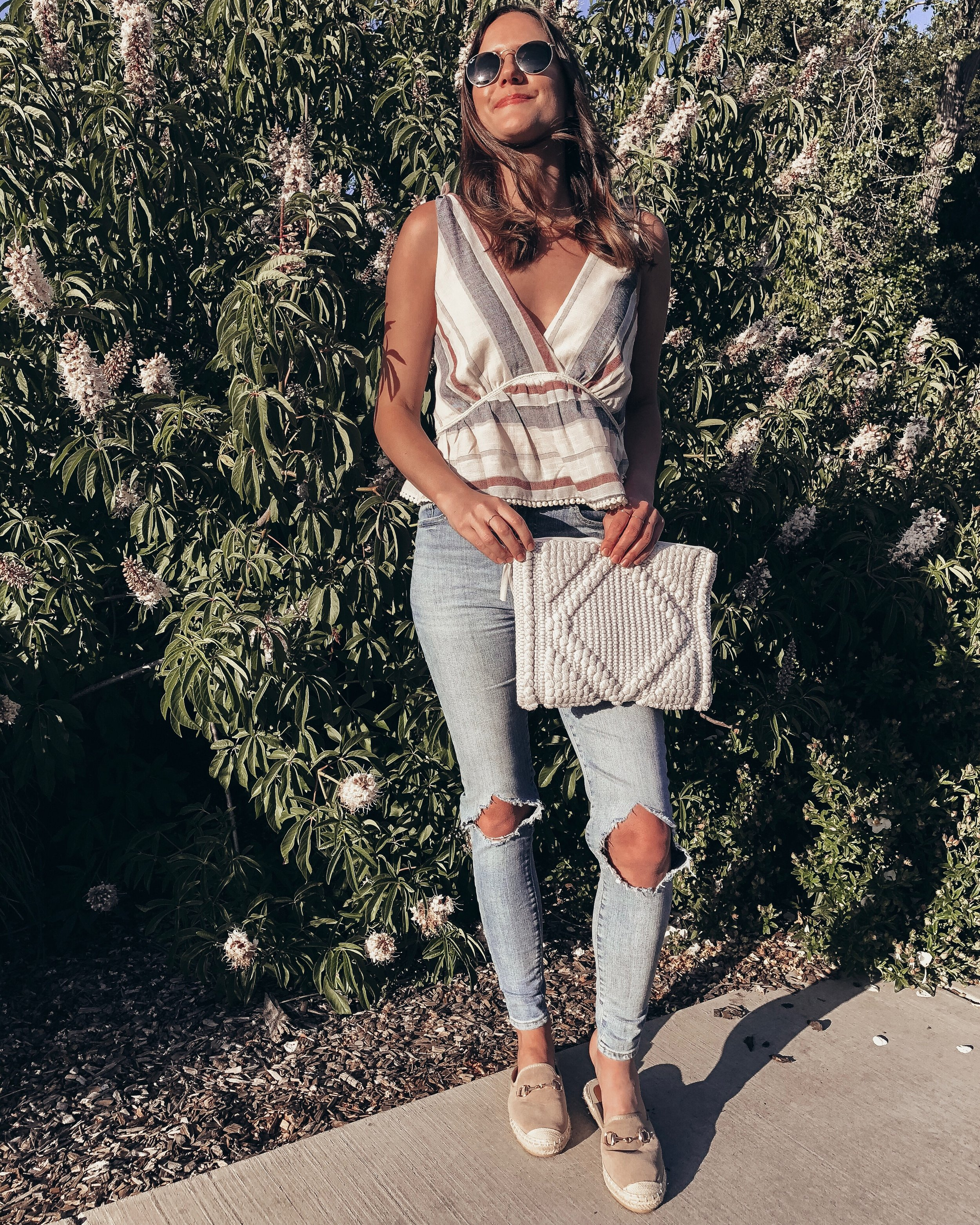 Outfit Details:  Vici Top  c/o |  Levi's Jeans  |  Vici Shoes  c/o |  Vici Bag  c/o |  Ray-Ban Sunglasses