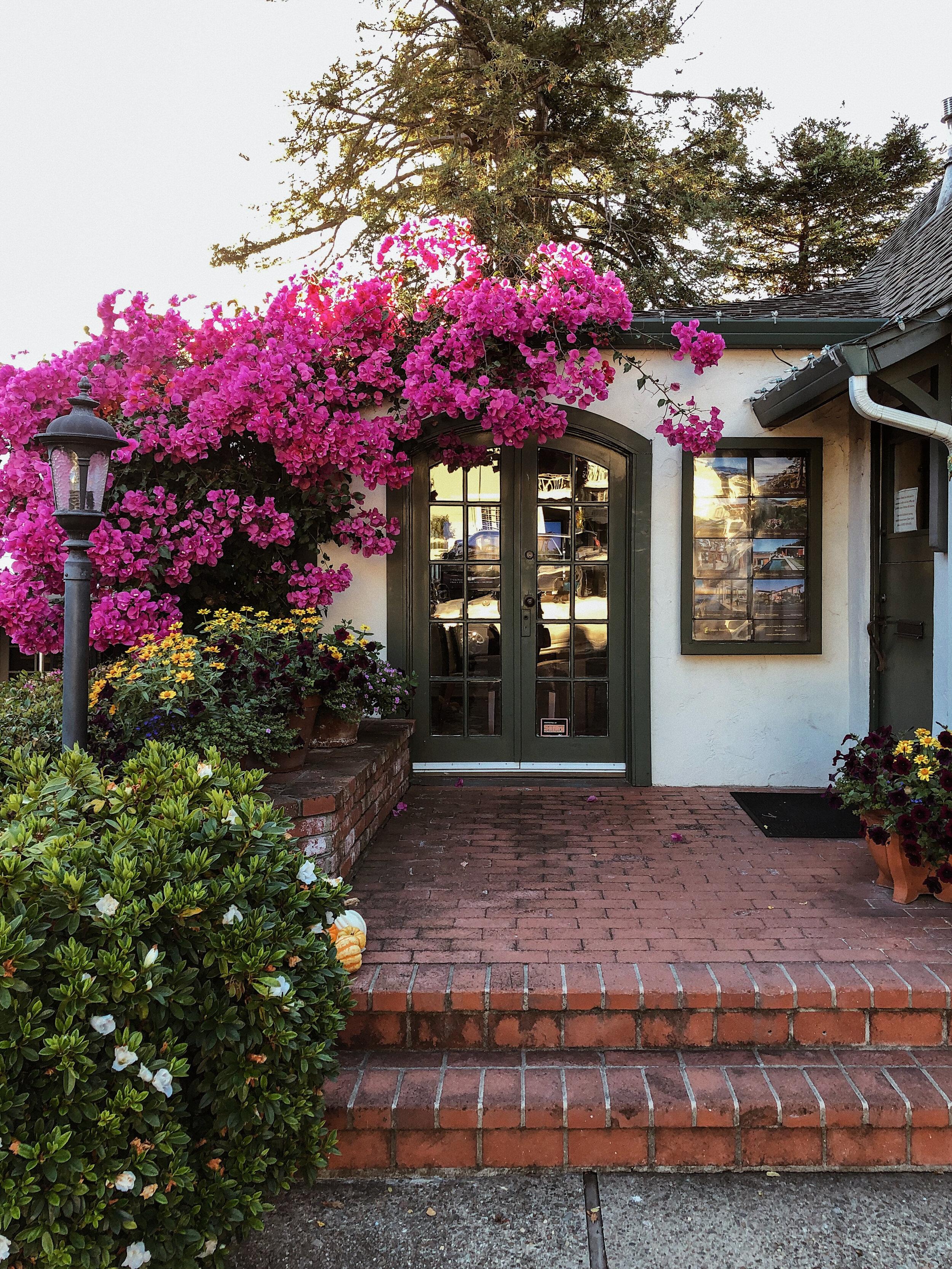 A Quick Wedding Weekend in Carmel | www.girlmeetsgold.com