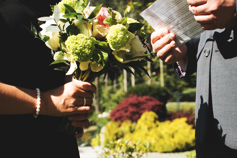 Pender Island wedding photographer - Amber Briglio Photography 12.jpg