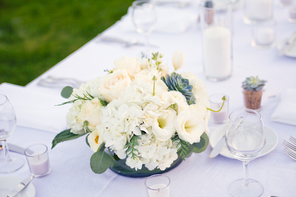 White-Wedding-Centerpiece.jpg