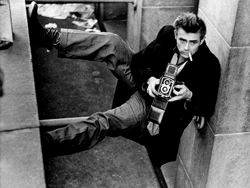 james-dean-with-a-rolleiflex.jpg
