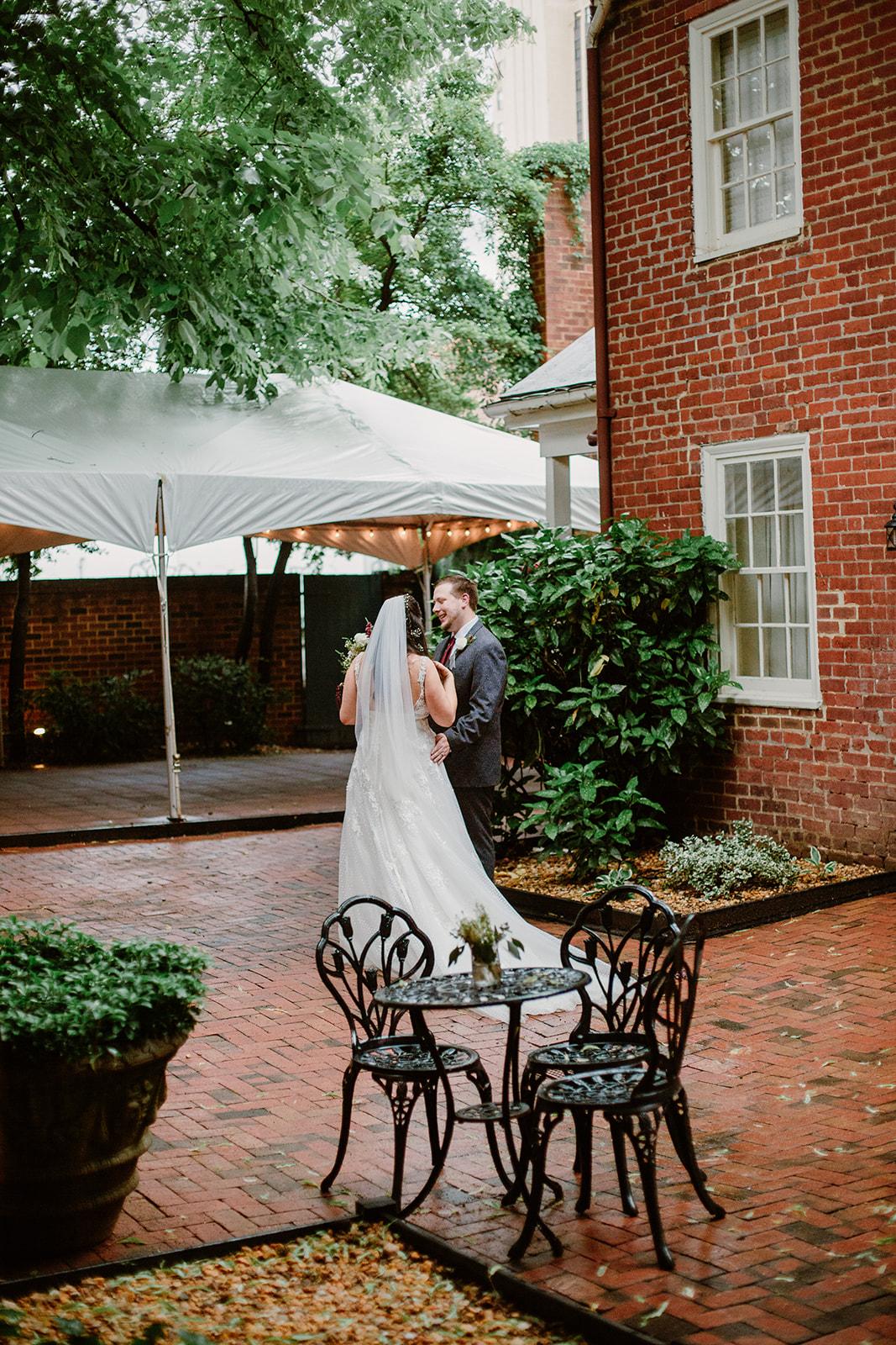 SarahMattozziPhotography-EmilyColin-LindenRowInnWedding-Ceremony-112.jpg