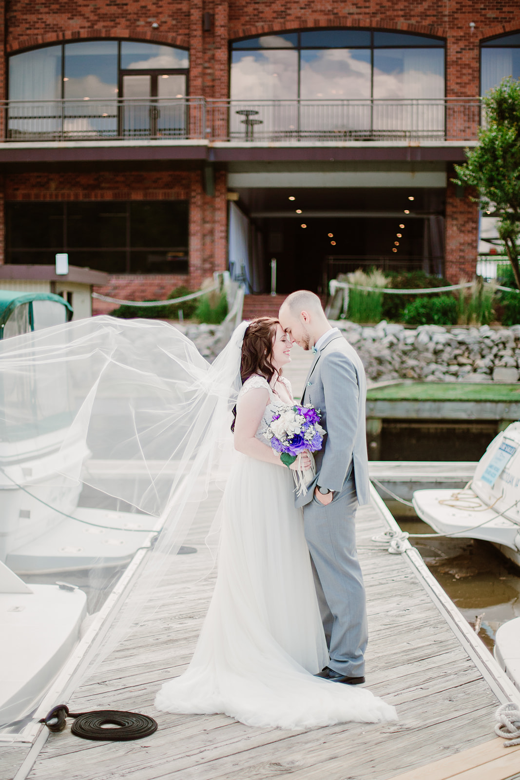 SarahMattozziPhotography-HarbourViewEvents-FirstLookPortraits-15.jpg