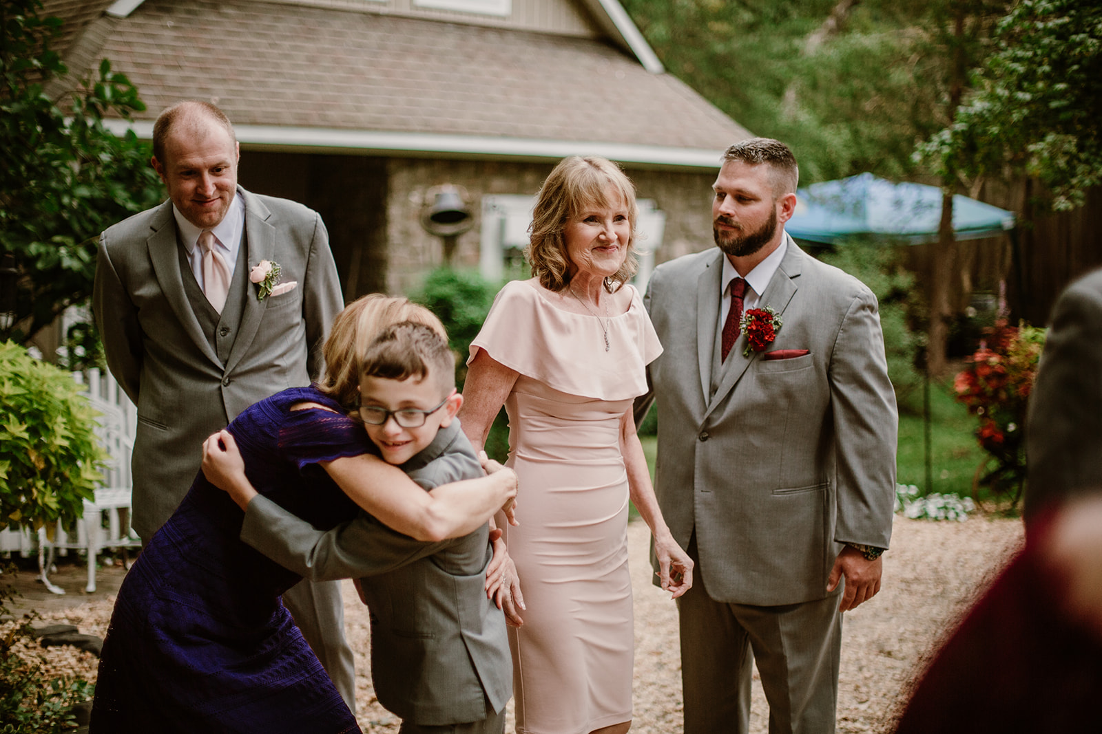 SarahMattozziPhotography-NicoleChris-GlenGardens-GettingReady-17.jpg