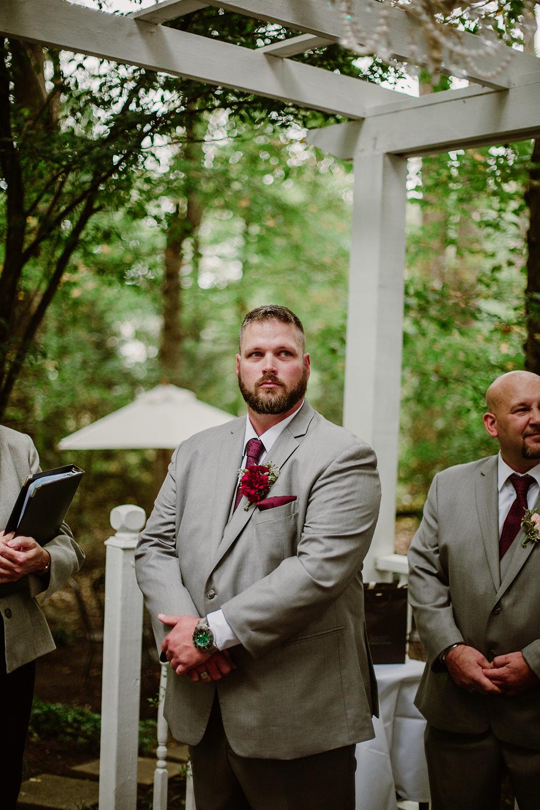 SarahMattozziPhotography-NicoleChris-GlenGardens-Ceremony-2.jpg