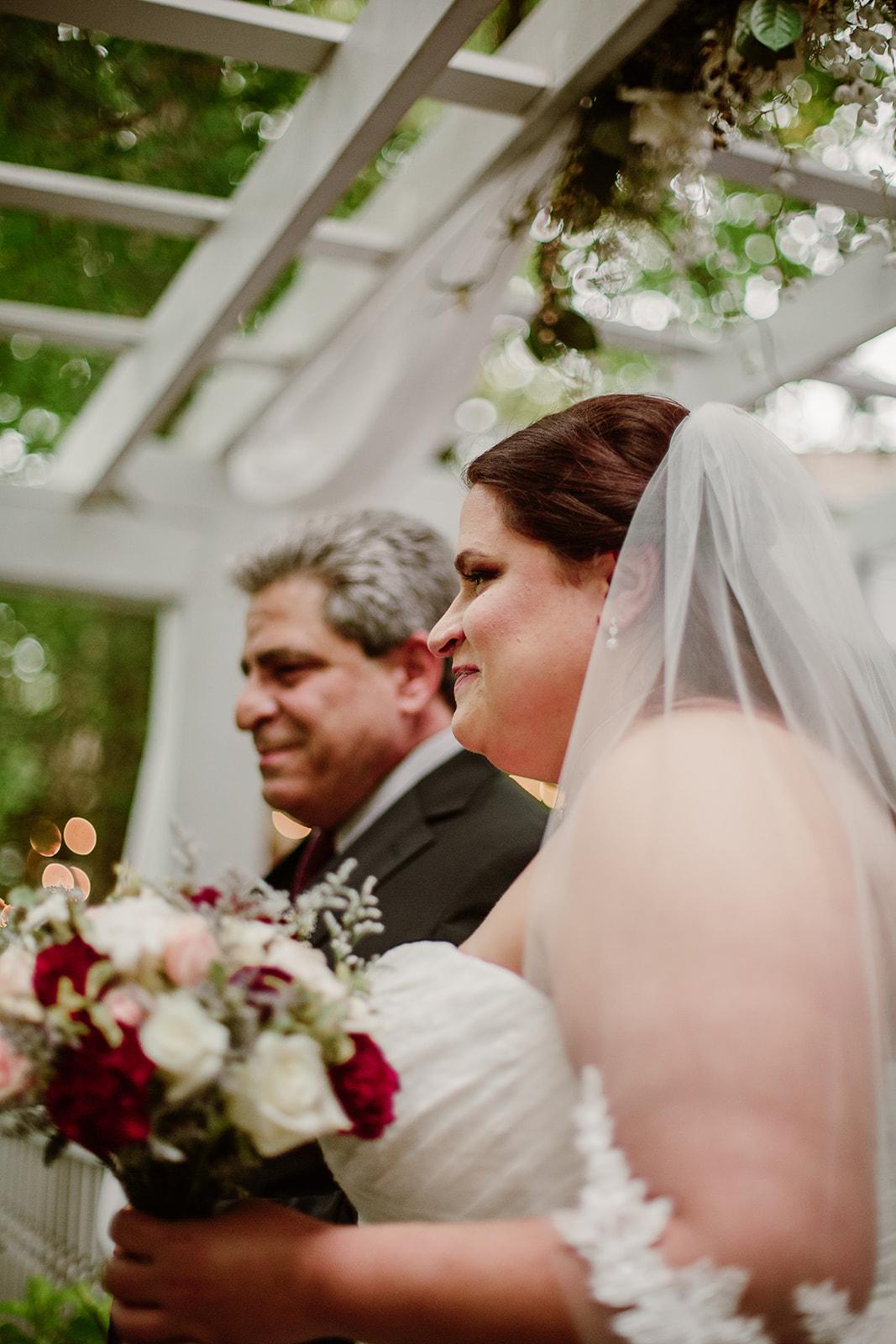 SarahMattozziPhotography-NicoleChris-GlenGardens-Ceremony-6.jpg