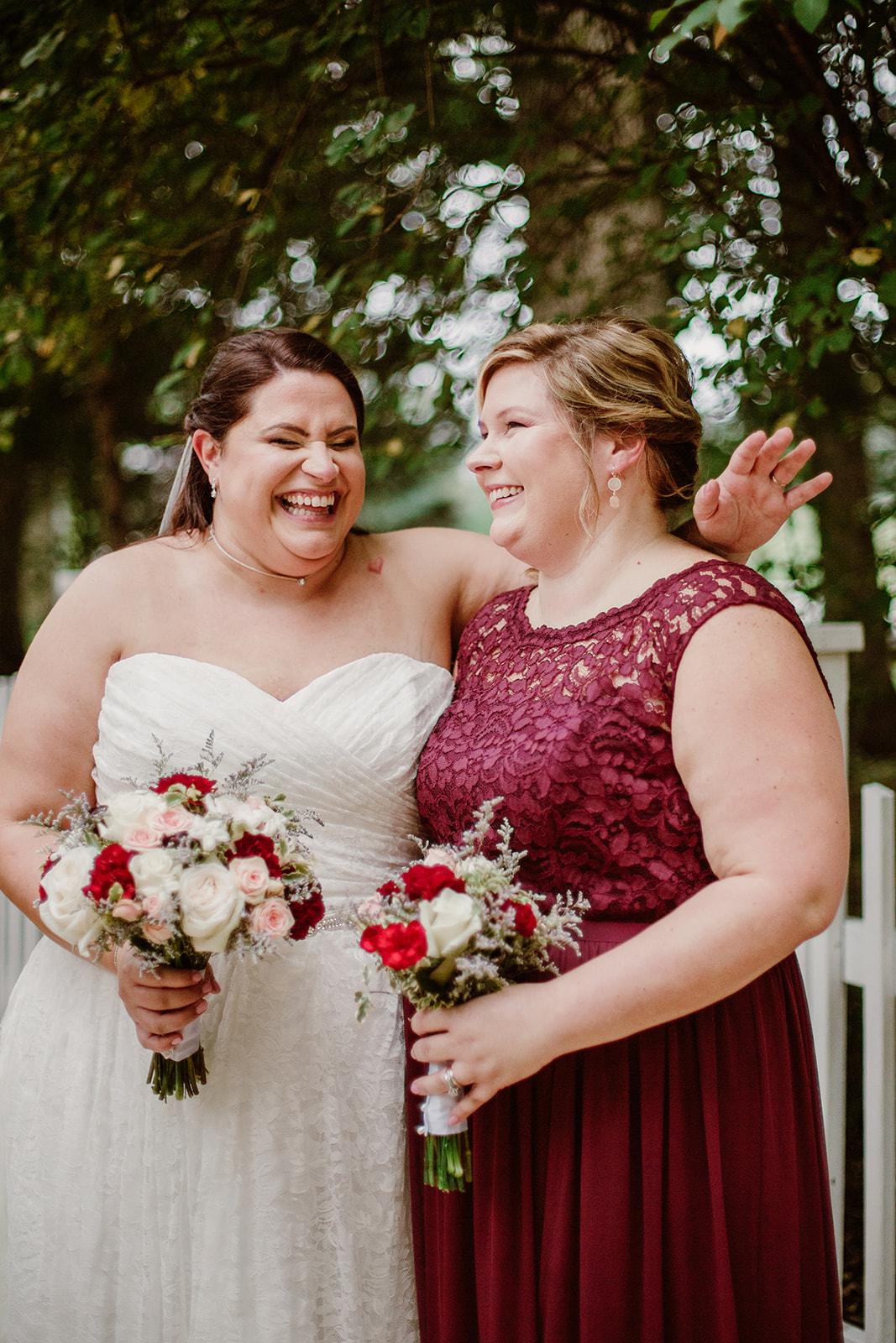 SarahMattozziPhotography-NicoleChris-GlenGardens-WeddingParty-7.jpg