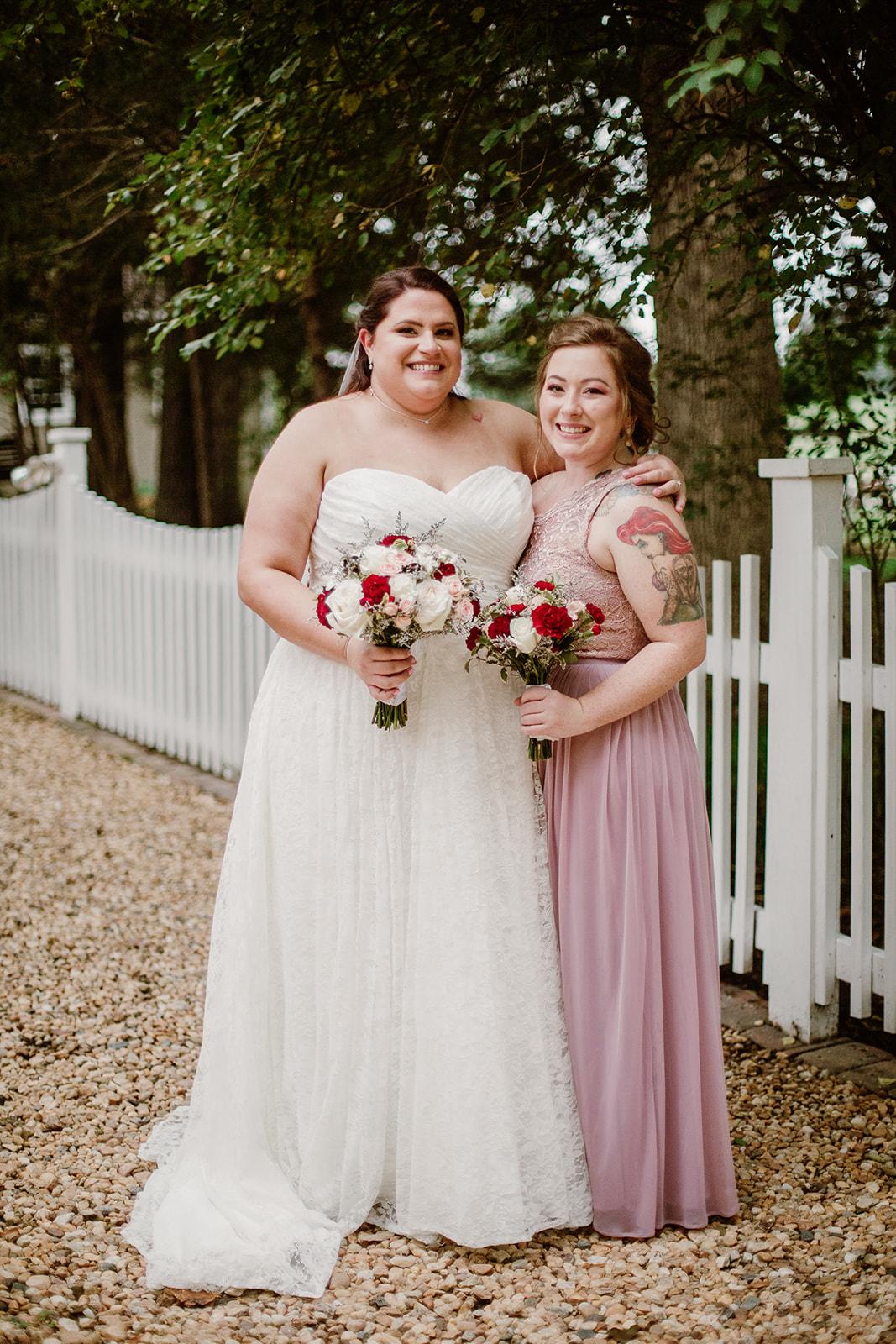 SarahMattozziPhotography-NicoleChris-GlenGardens-WeddingParty-8.jpg
