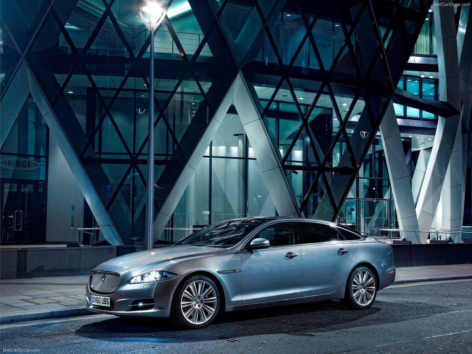 Jaguar-XJ_2012_1600x1200_wallpaper_03.jpg
