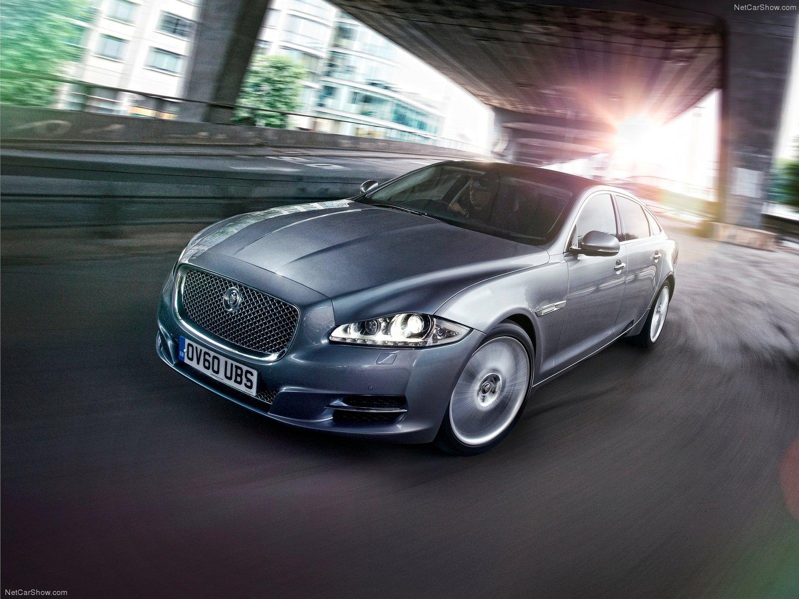 Jaguar-XJ_2012_1600x1200_wallpaper_01.jpg