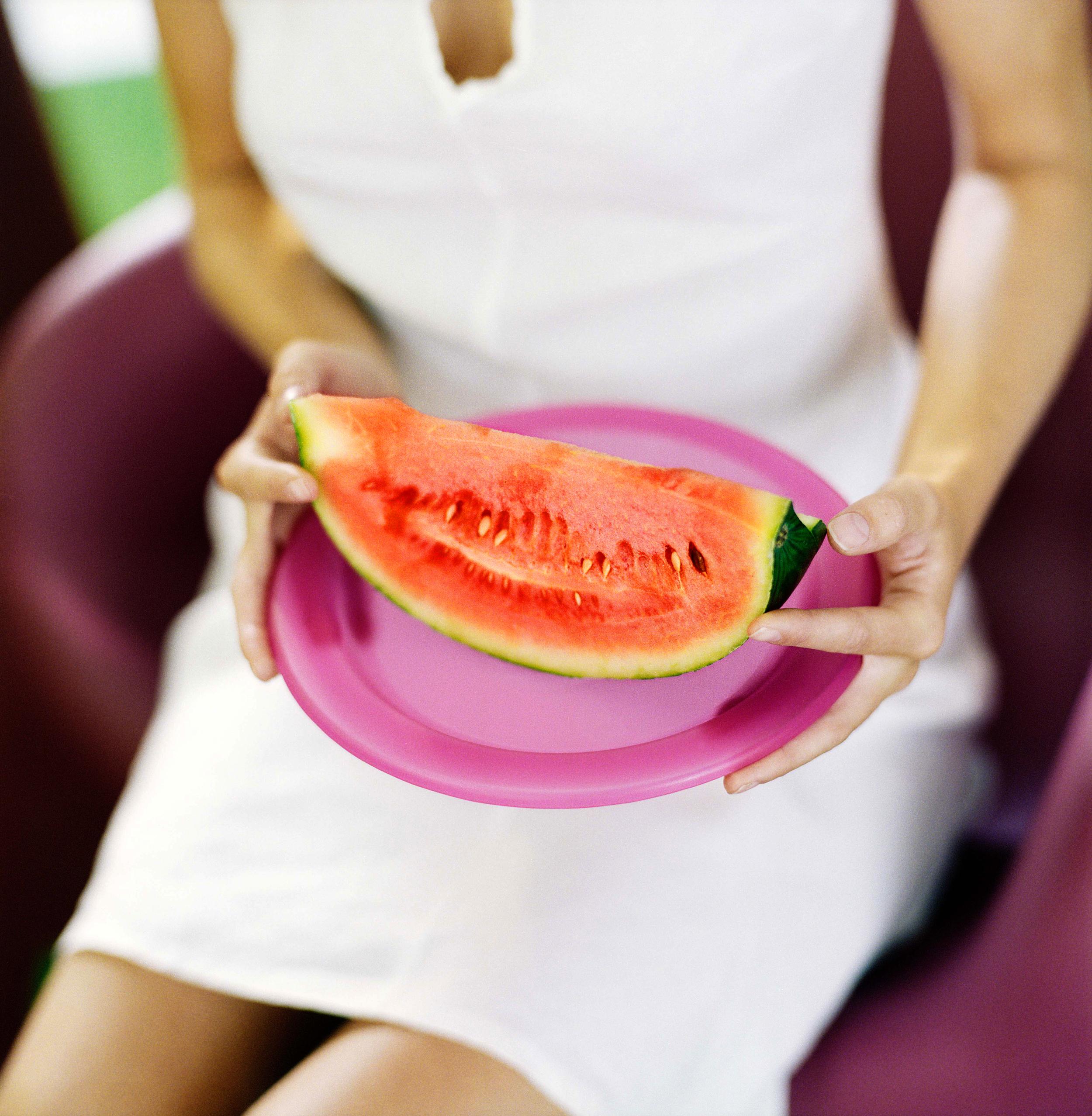 Håller melon-2.jpg