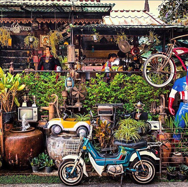 Biking in Bangkok. Hot but fun. #bangkachao #bangnampheng #bangkok #biking #weekend #hothothot