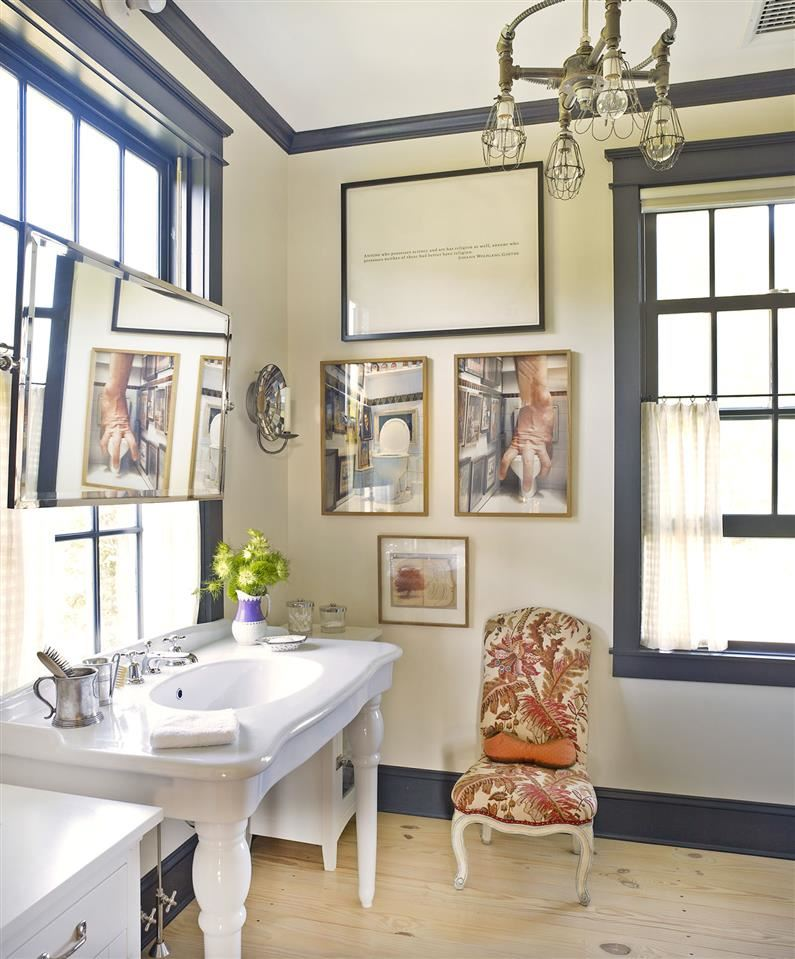 Love the sink and moulding!
