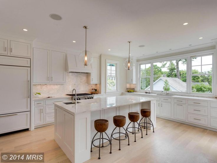 gourmet kitchen, modern fixtures, marble accents