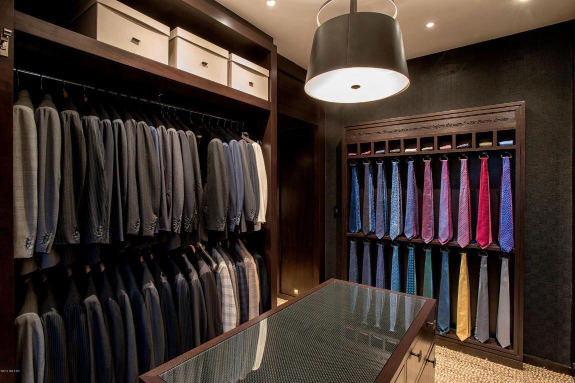a masculine gentlemen's dressing room