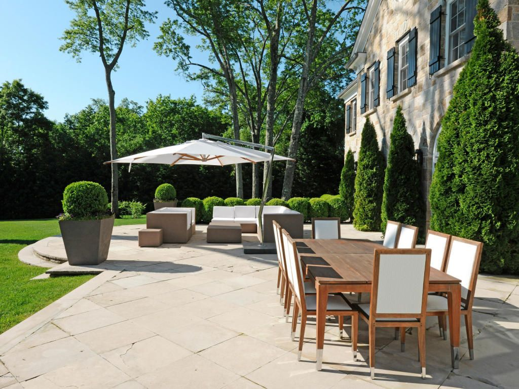 lovely outdoor patio in greenwich, CT
