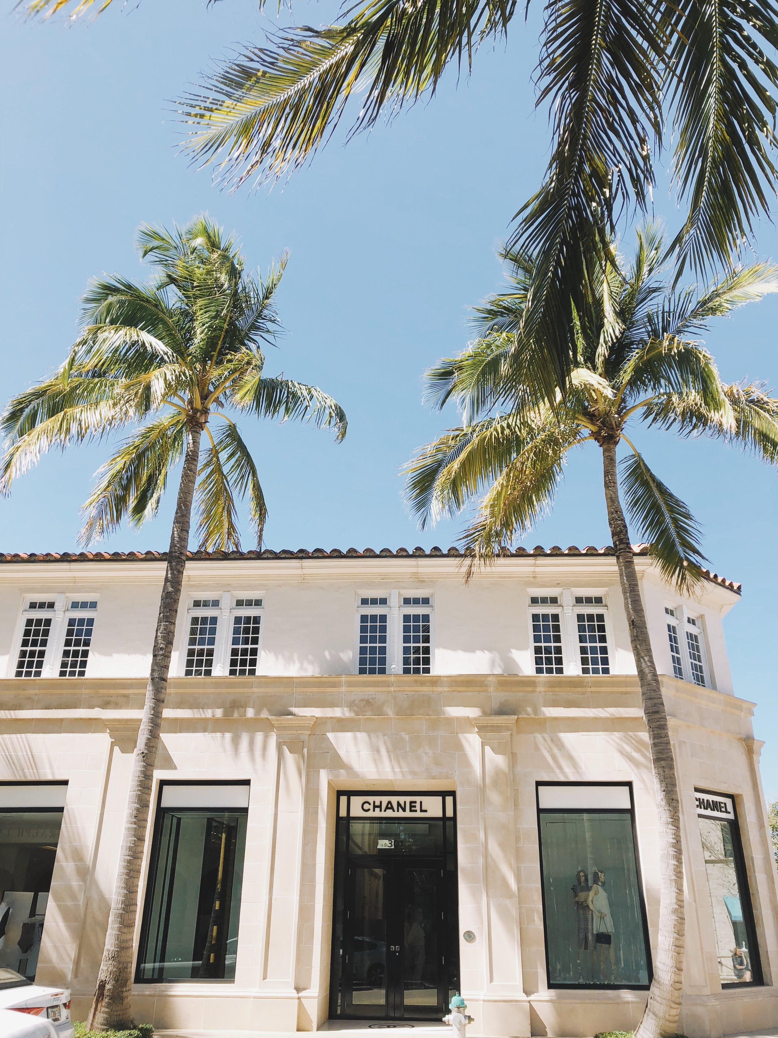 On Worth Avenue | Photo by Kira Semple | KiraSemple.com