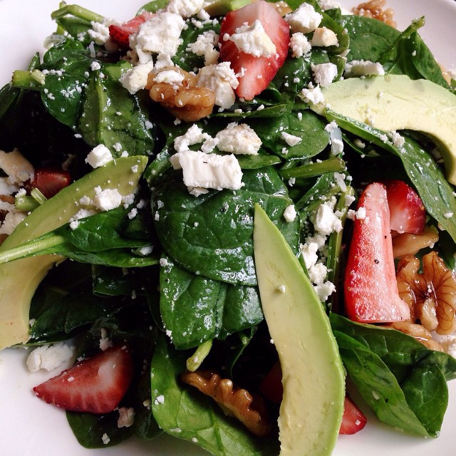 New greens! Our spinach salad is perfect for both lunch and dinner. Who doesn't love #strawberries, #avocado and goat cheese? Especially when they are tossed together in a lemon vinaigrette! Kitchen open #latenight until 3 am! #chicagoeats #chicagofoodauthority #feedfeed #lunch #dinner