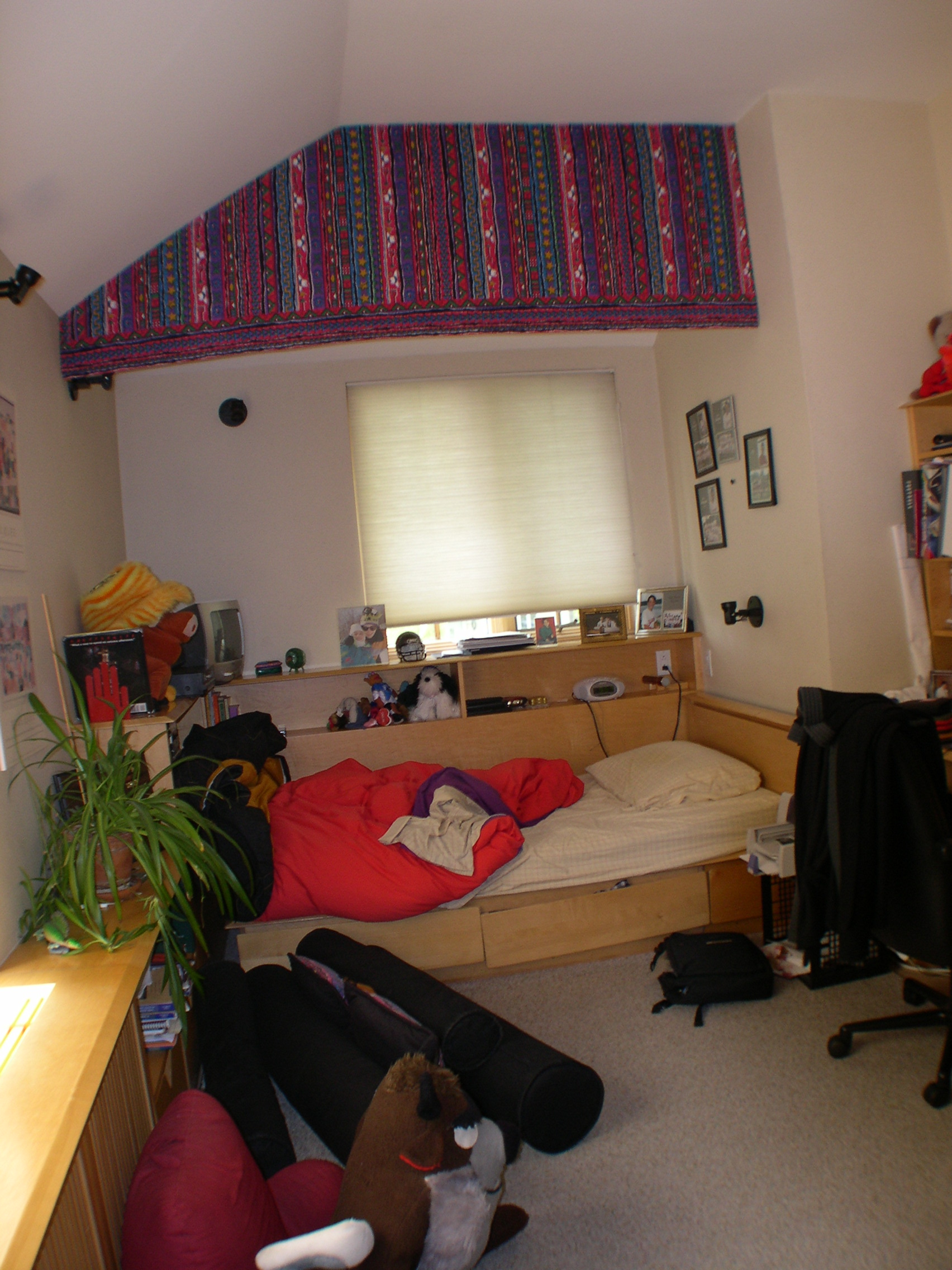 before-childs-bedroom-b-1-1