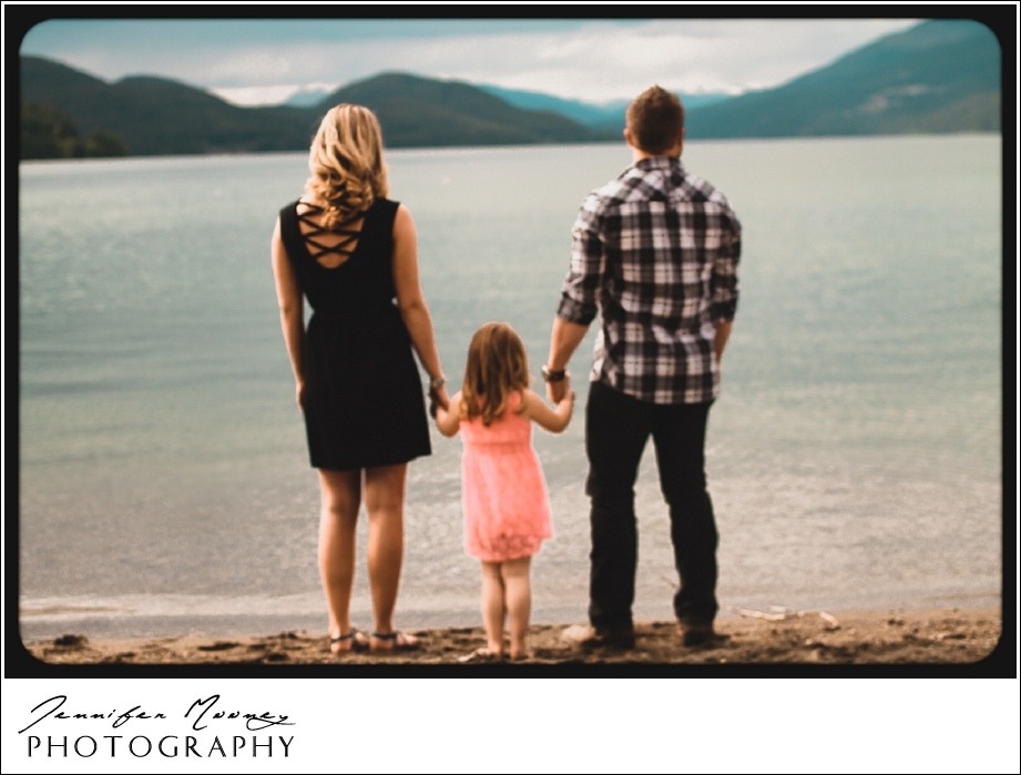Jennifer_Mooney_Photography_flathead_engagment_session_romantic_familyJennifer_Mooney_Photo_engagement_schmidt_072.jpg