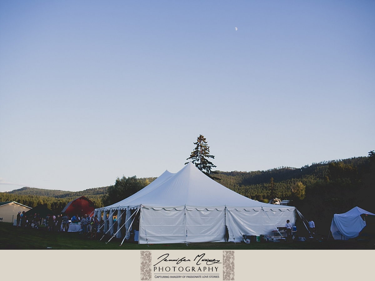 Jennifer_Mooney_Photo_gardner_hatton_ranch_classy_elegant_montana_wedding_00001_00100-2.jpg