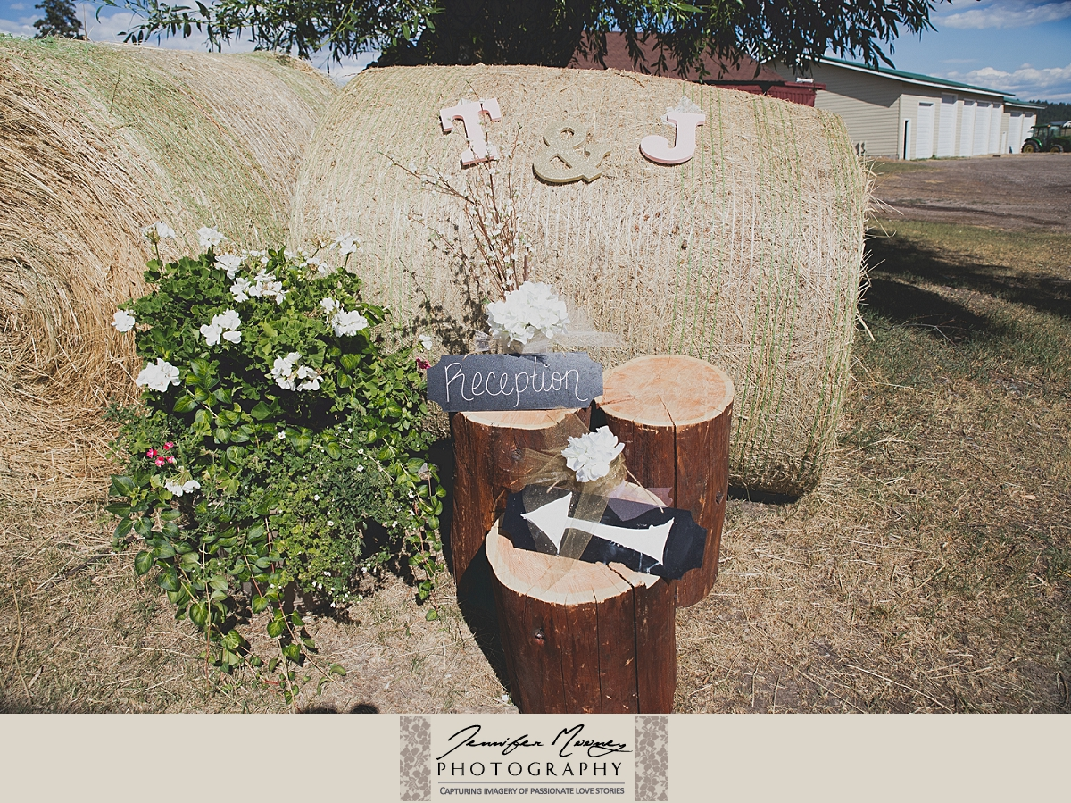 Jennifer_Mooney_Photo_gardner_hatton_ranch_classy_elegant_montana_wedding_00050.jpg