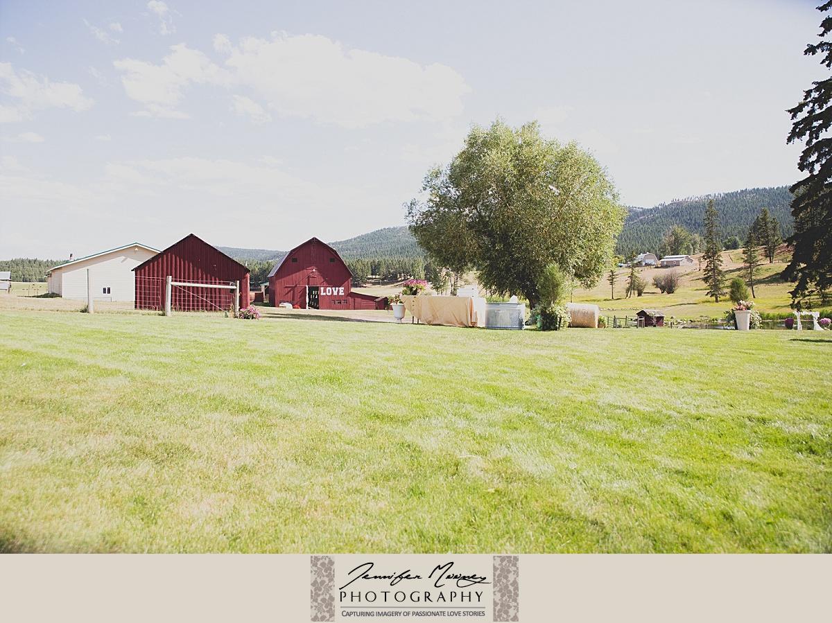 Jennifer_Mooney_Photo_gardner_hatton_ranch_classy_elegant_montana_wedding_00052.jpg