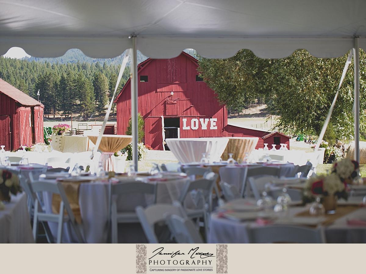 Jennifer_Mooney_Photo_gardner_hatton_ranch_classy_elegant_montana_wedding_00063.jpg
