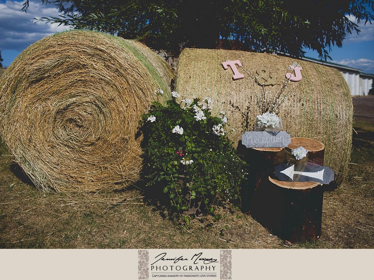 Jennifer_Mooney_Photo_gardner_hatton_ranch_classy_elegant_montana_wedding_00080.jpg