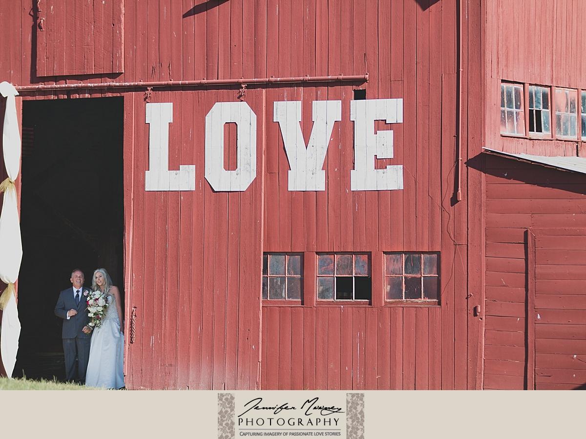 Jennifer_Mooney_Photo_gardner_hatton_ranch_classy_elegant_montana_wedding_00102.jpg