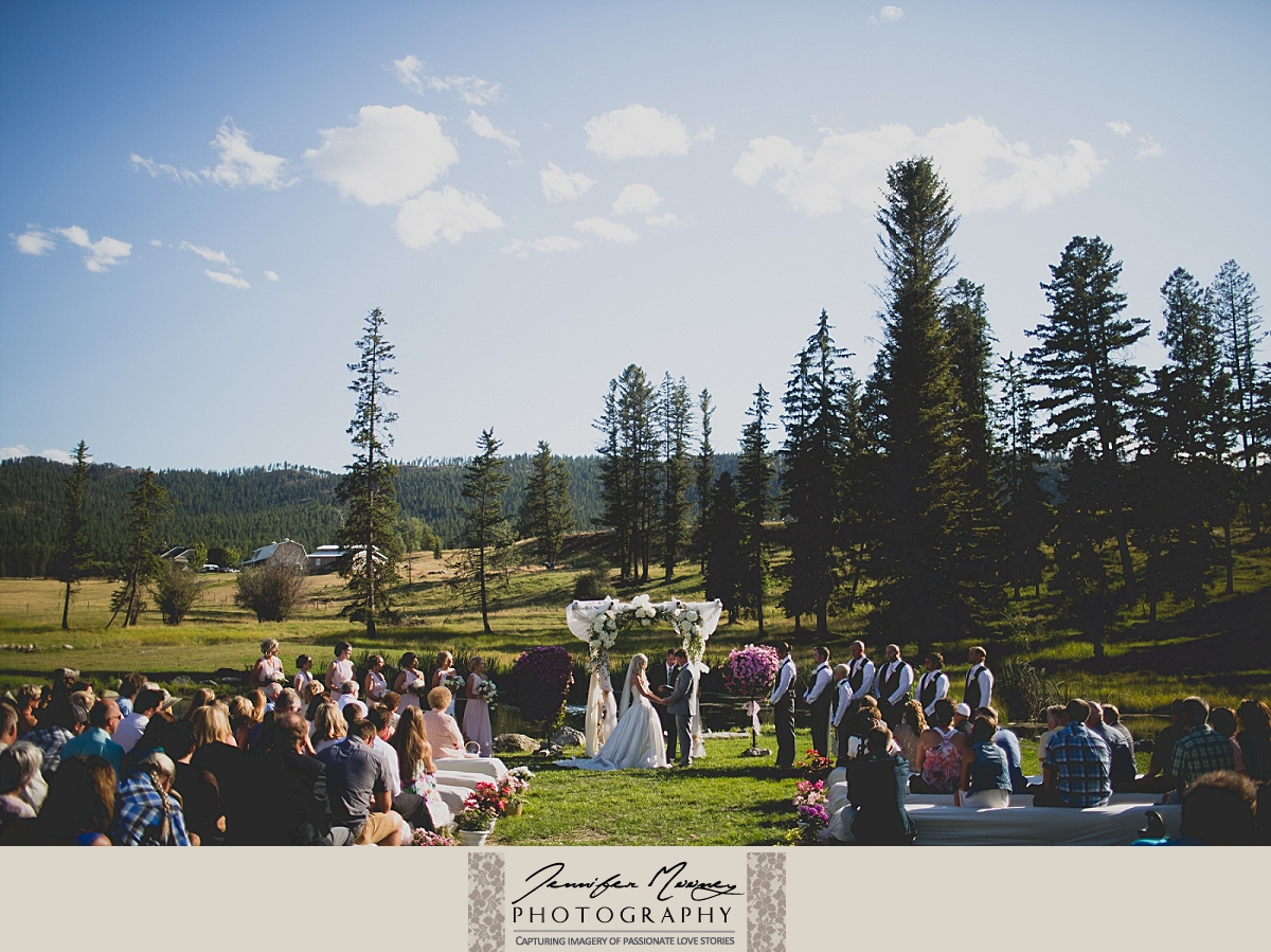 Jennifer_Mooney_Photo_gardner_hatton_ranch_classy_elegant_montana_wedding_00110.jpg