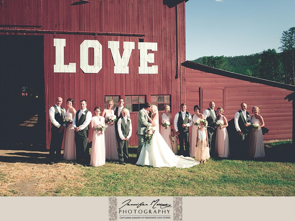 Jennifer_Mooney_Photo_gardner_hatton_ranch_classy_elegant_montana_wedding_00130.jpg