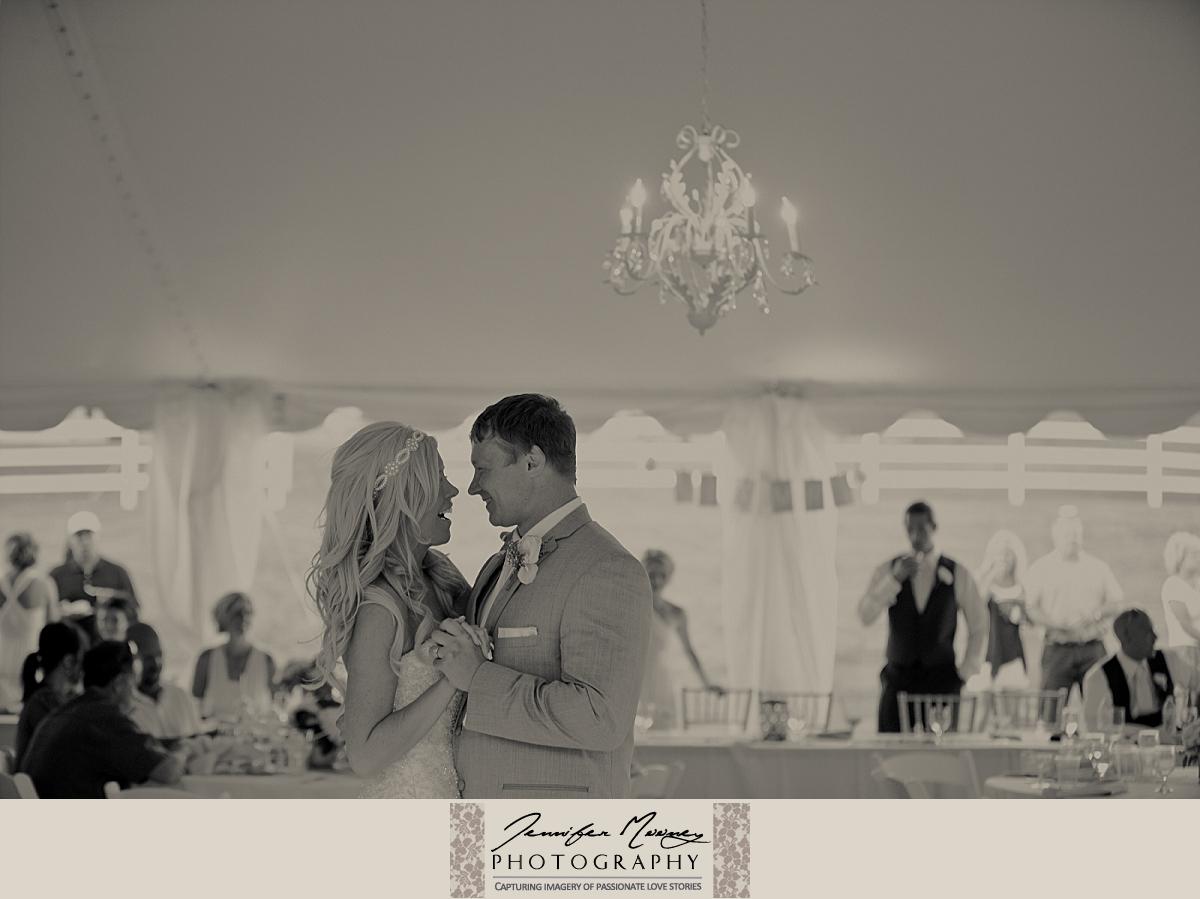 Jennifer_Mooney_Photo_gardner_hatton_ranch_classy_elegant_montana_wedding_00156.jpg