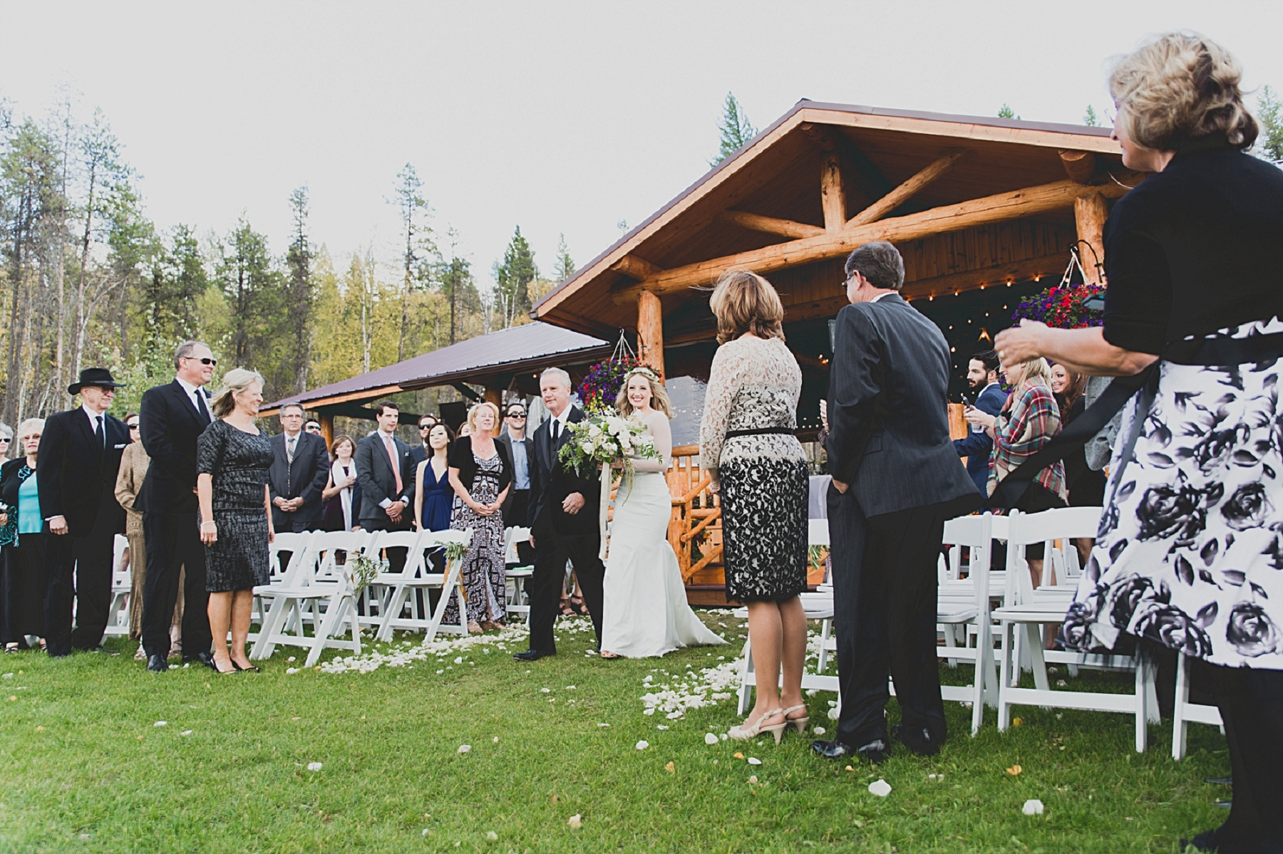 Jennifer_Mooney_Photo_glacier_park_wedding_Beargrass_florals_fall_wedding_elegant_montana_destination_velvet_bride_katie_may_dress_verona_gown_00074.jpg