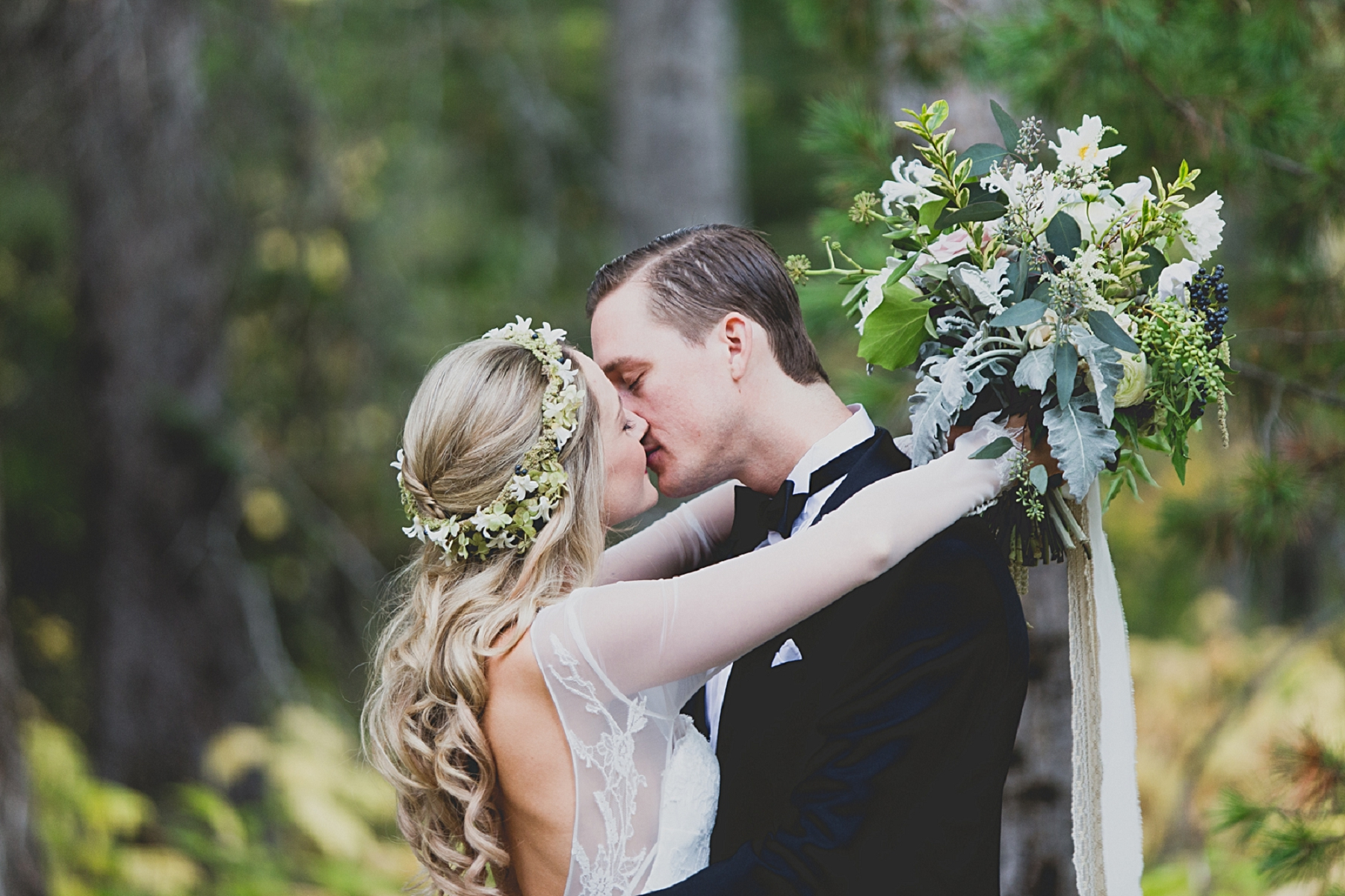 Jennifer_Mooney_Photo_glacier_park_wedding_Beargrass_florals_fall_wedding_elegant_montana_destination_velvet_bride_katie_may_dress_verona_gown_00151.jpg
