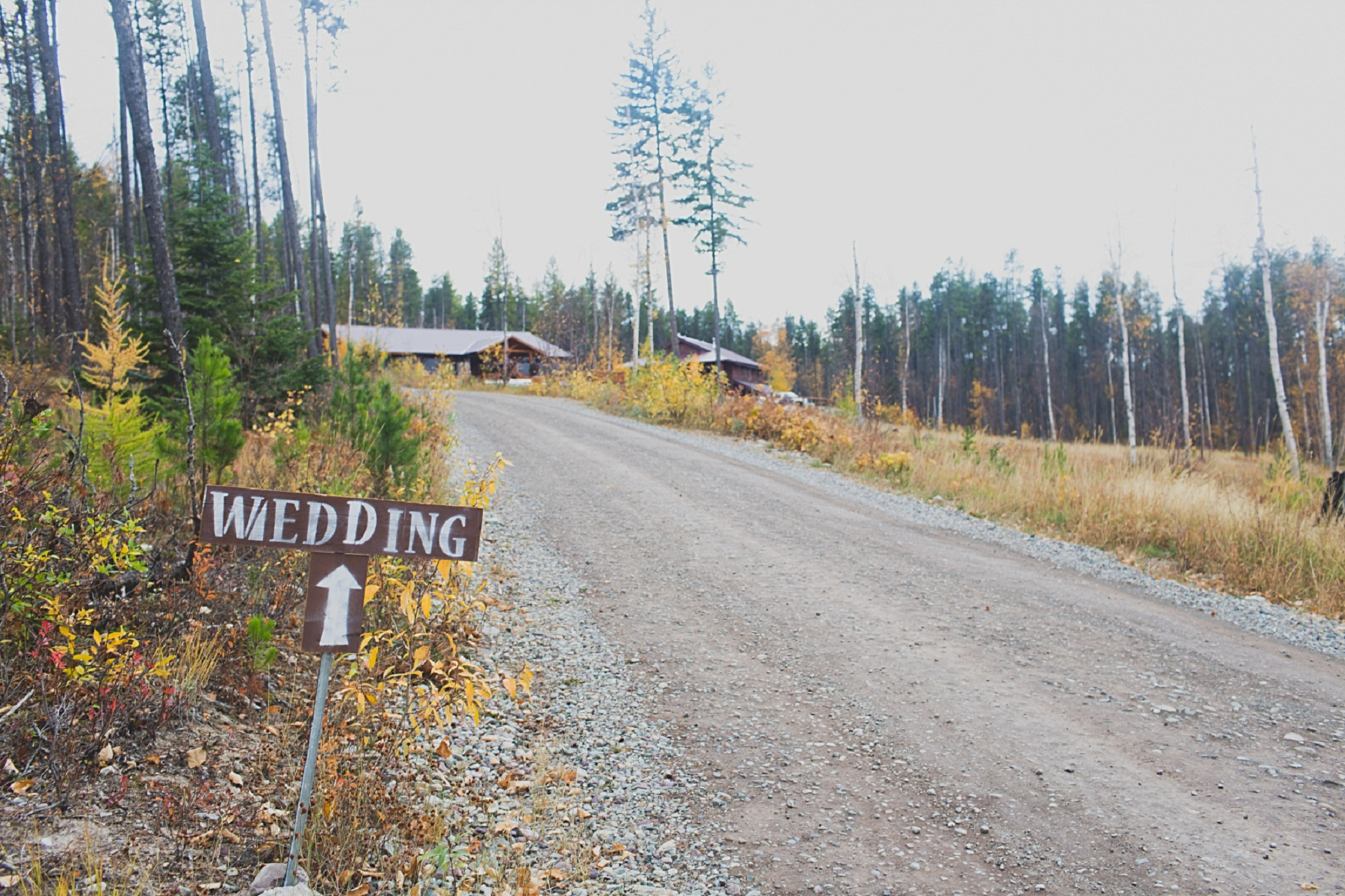 Jennifer_Mooney_Photo_glacier_outdoor_center_wedding_montana_fall_elegant_rustic_romantic_00001.jpg