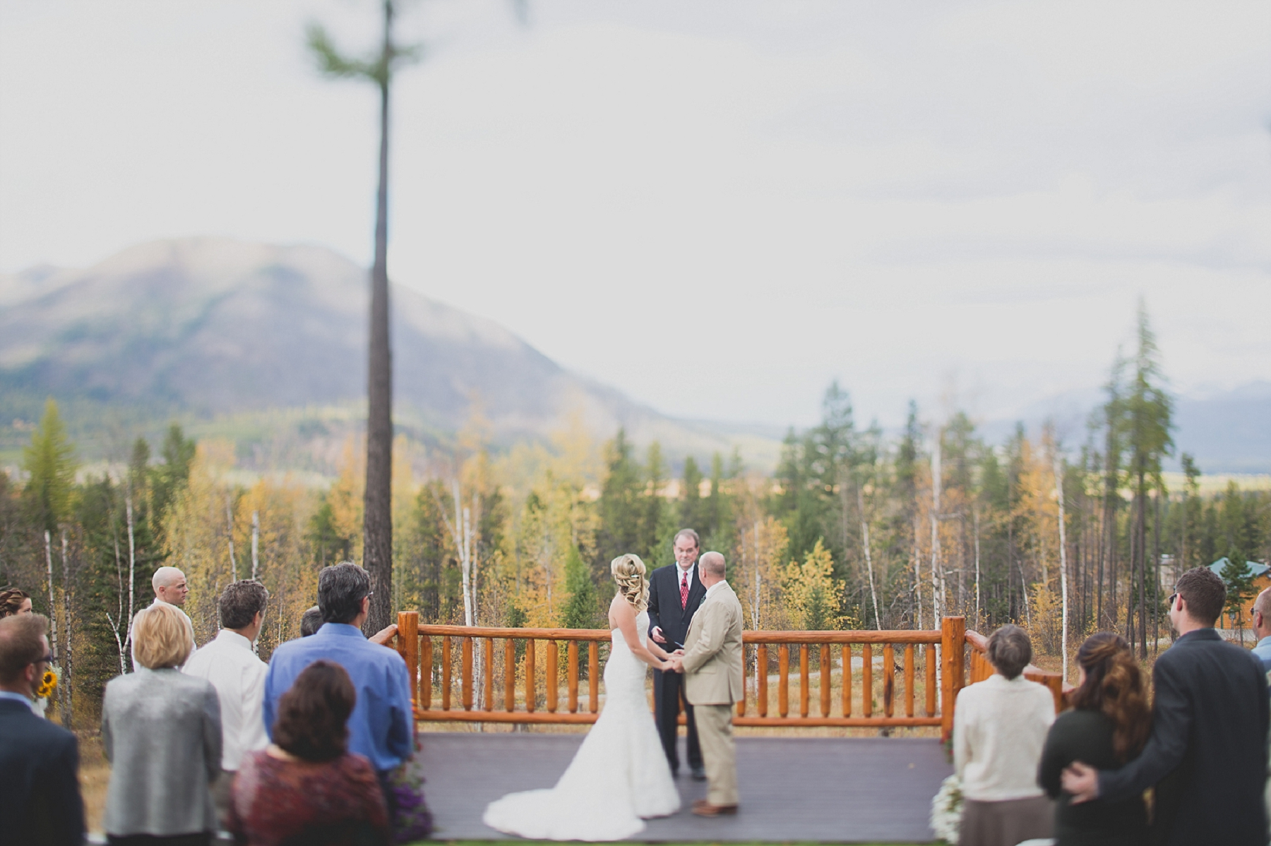 Jennifer_Mooney_photo_glacier_outdoor_center_wedding_montana_fall_elegant_rustic_romantic-81-1.jpg