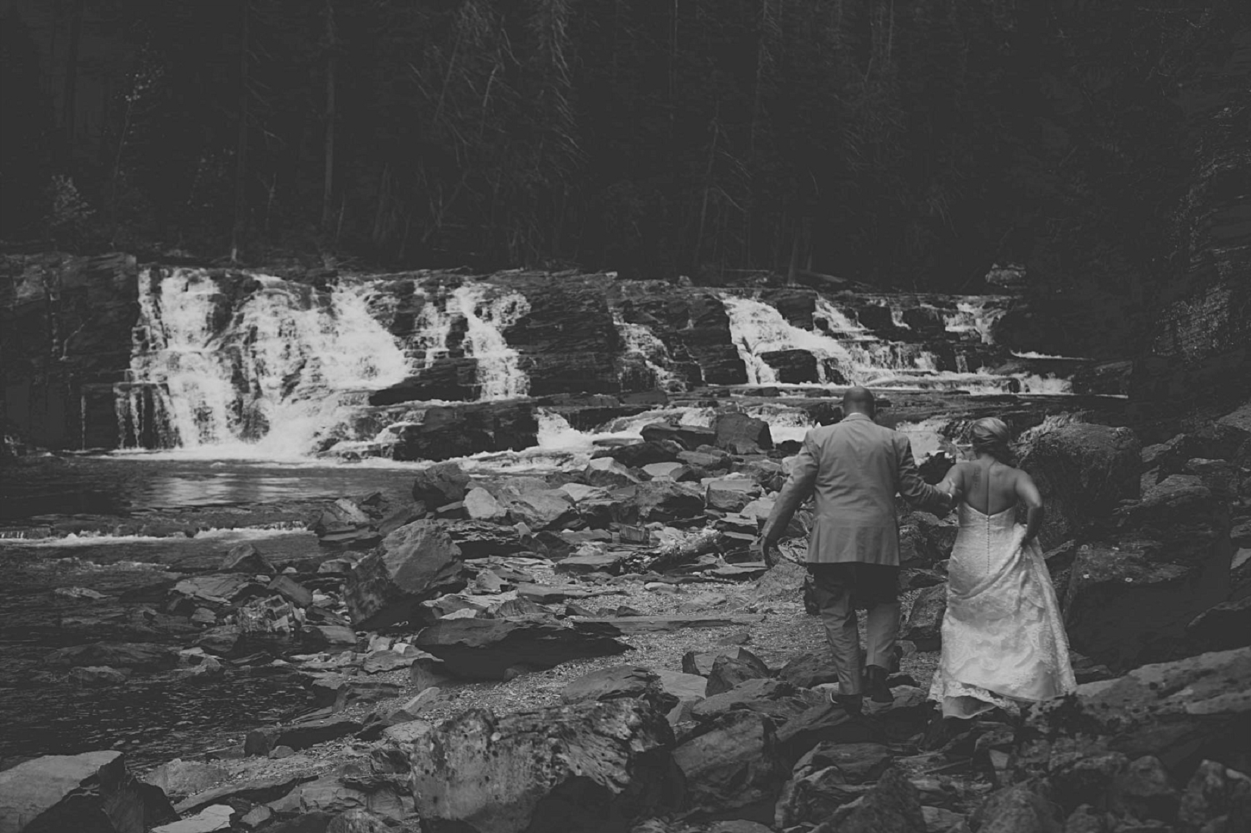 Jennifer_Mooney_photo_day_after_session_glacier_park_elegant_wedding_bride_groom_destination_-5.jpg