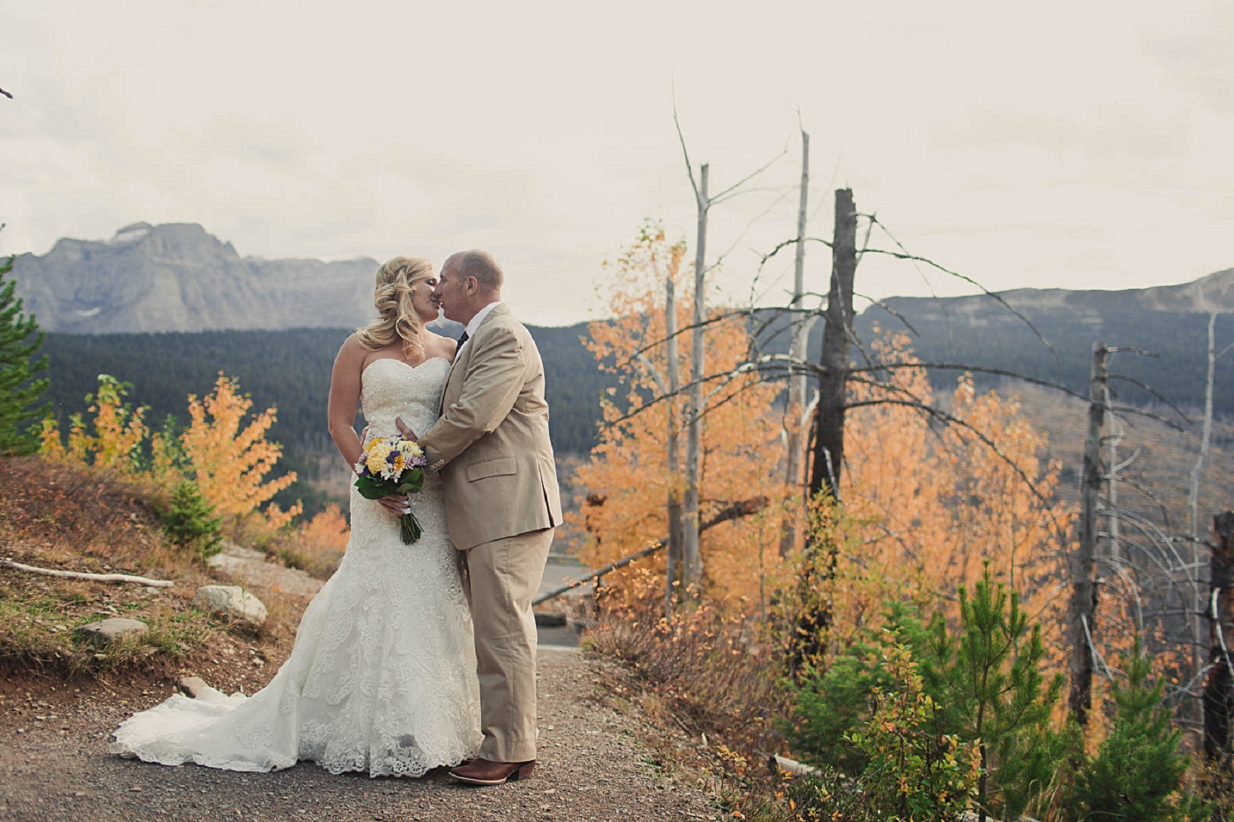 Jennifer_Mooney_photo_day_after_session_glacier_park_elegant_wedding_bride_groom_destination_-25.jpg